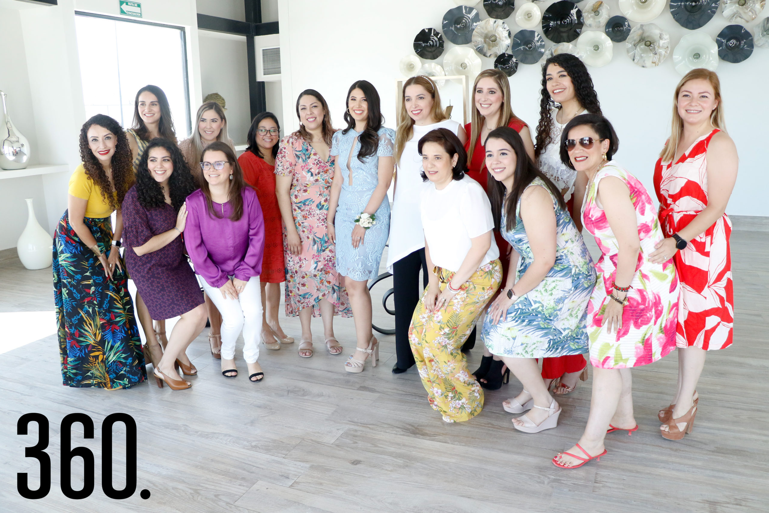 Ana Sofía con sus amigas.