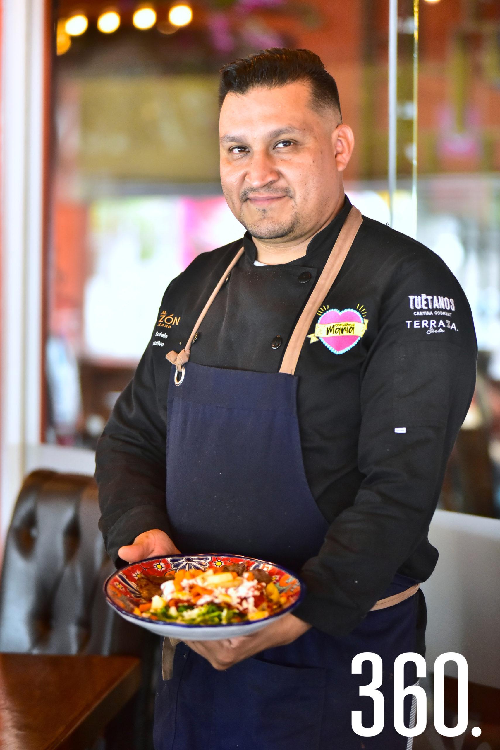 Miguel Ángel Sotelo Morales, chef de Al Sazón Mexicano.
