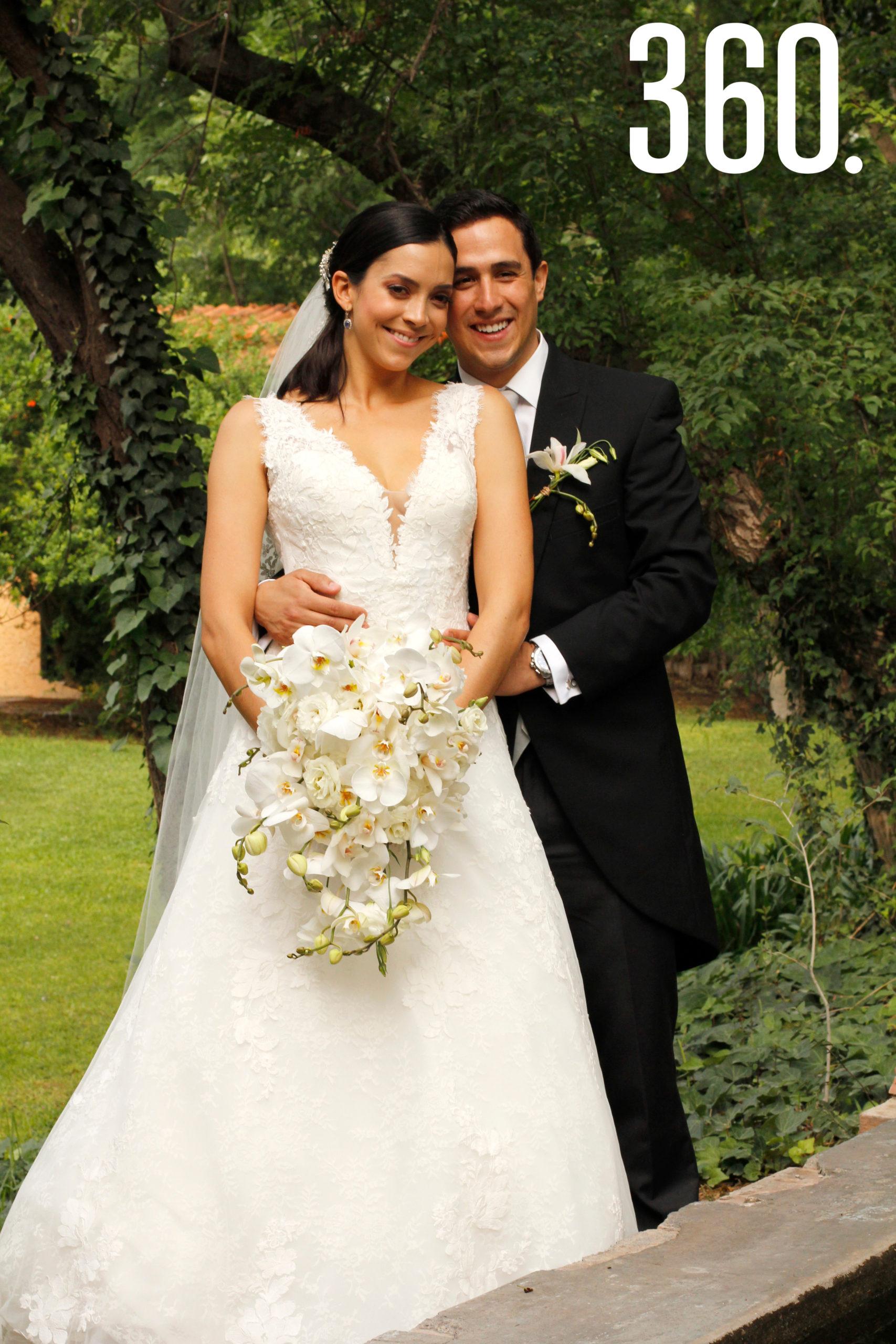 """Ana Paula Torres Flores y Juan Carlos Díaz Martínez contrajeron matrimonio, y lo celebraron en """"La Casa de Arriba""""."""