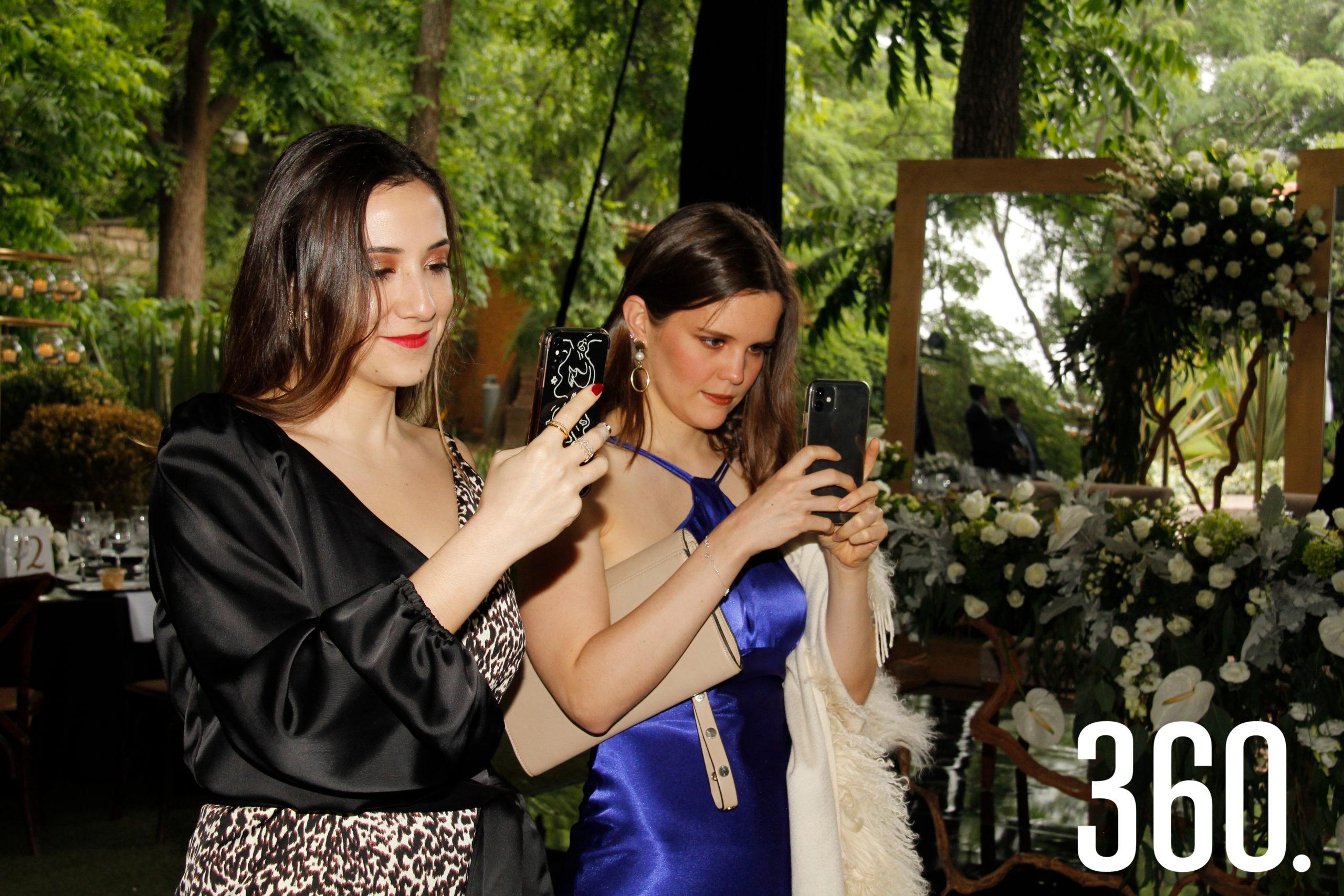 Sofía de la Garza y Paulina Garza.