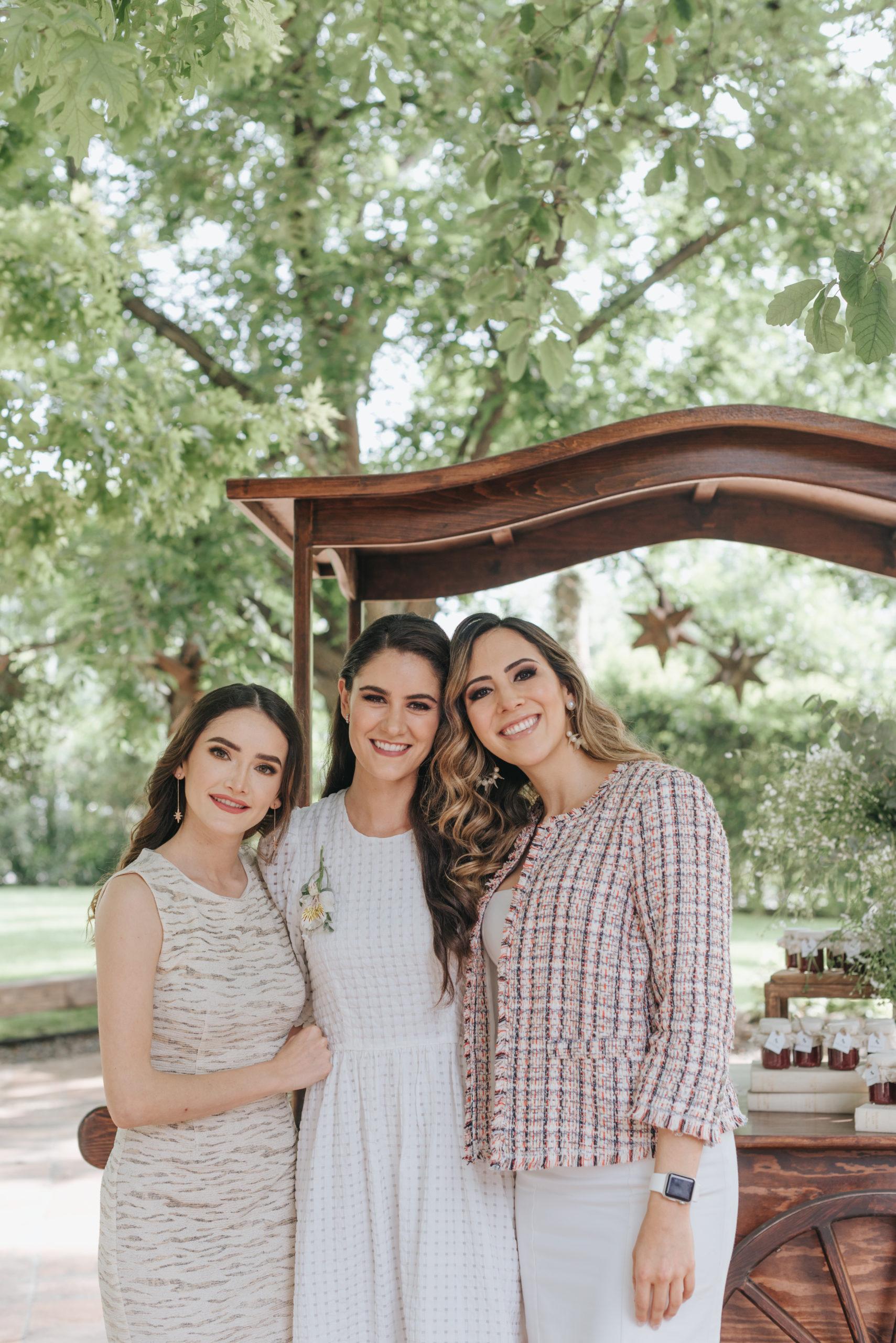 Cinthia Magaña, Ana Gaby Herrera y Letty Farías.
