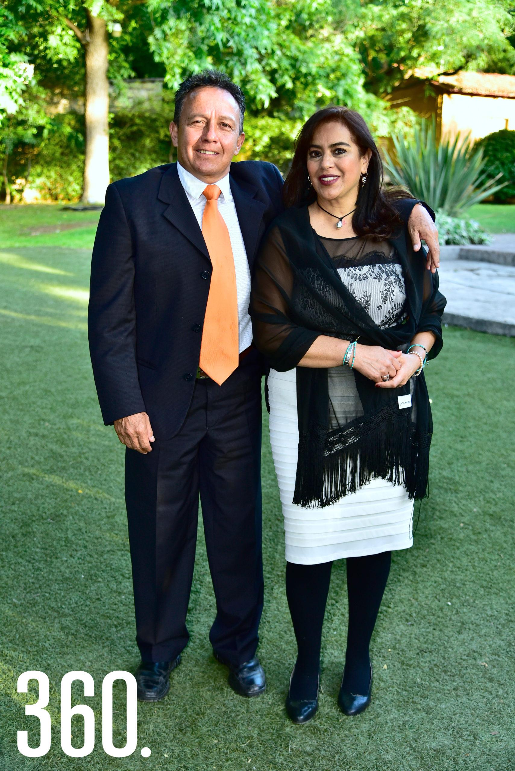 Jorge Pizaña y Lilian González.