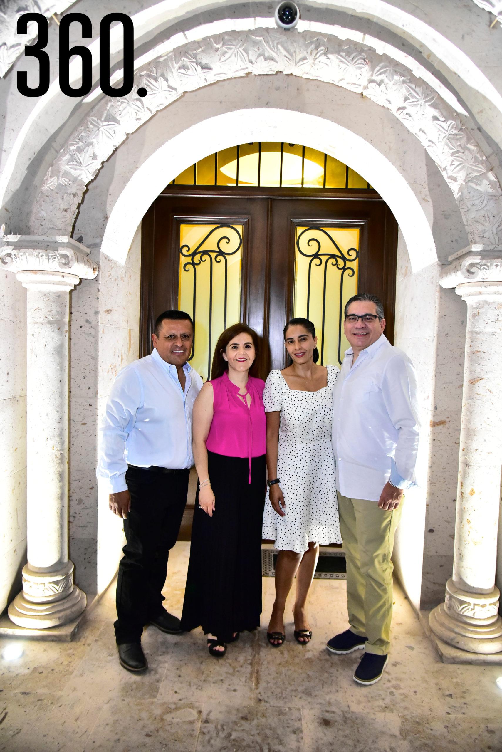 Alejandro Rodríguez, Yolanda Ramos, Erika Cadeñanes y Arnulfo Favila.