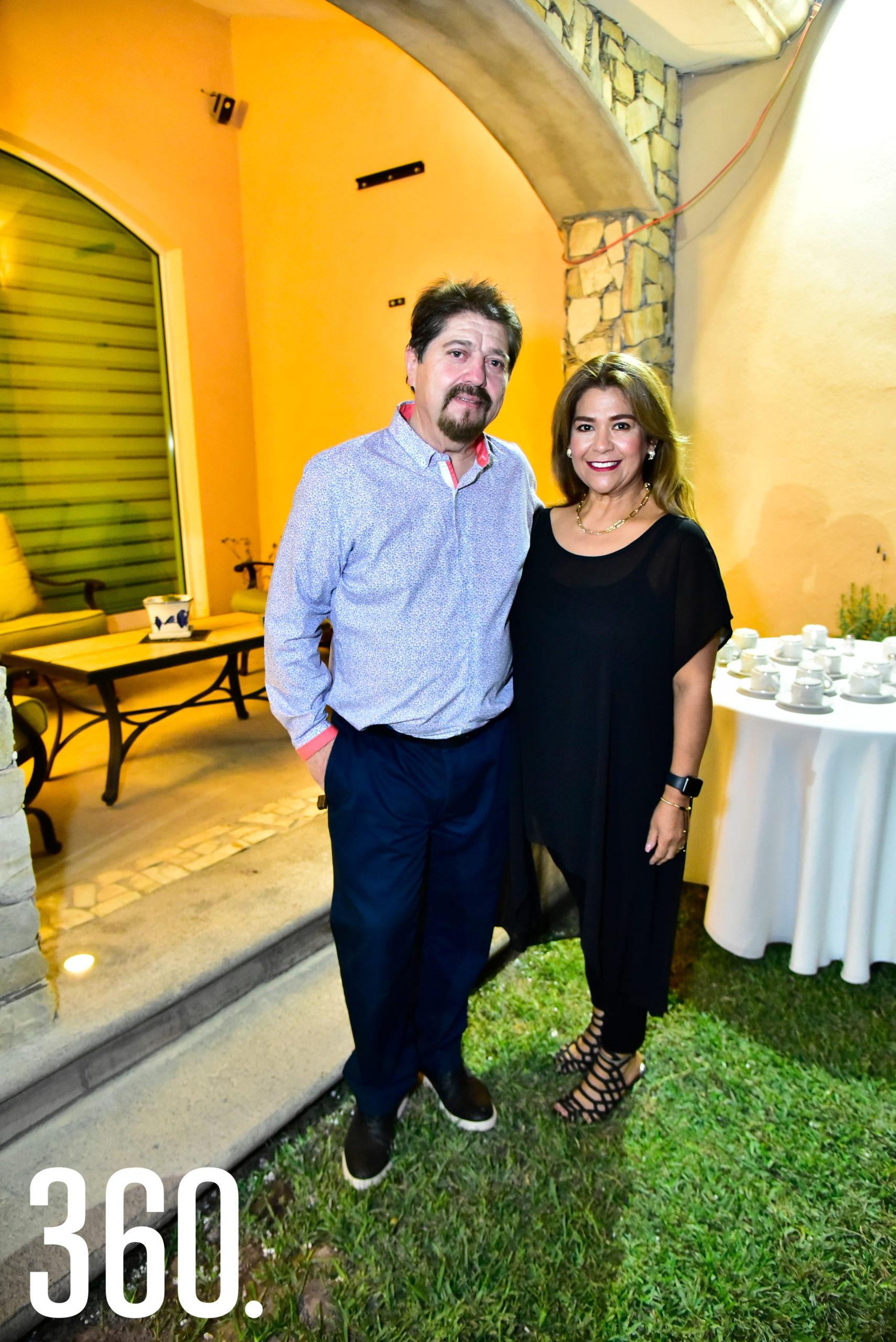 Gerardo Valdés y Betise Salazar.