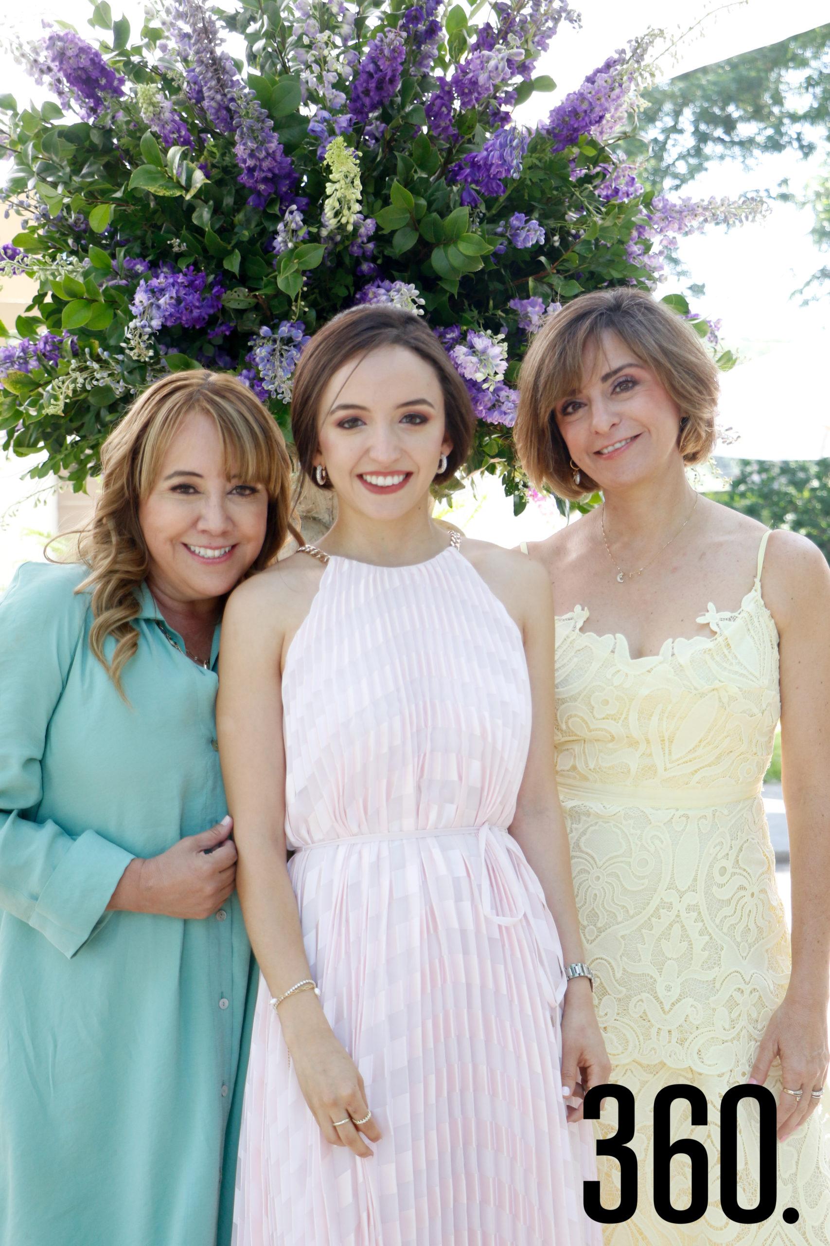 Mimi con su madre y suegra, Paty Ortega y Malena González.