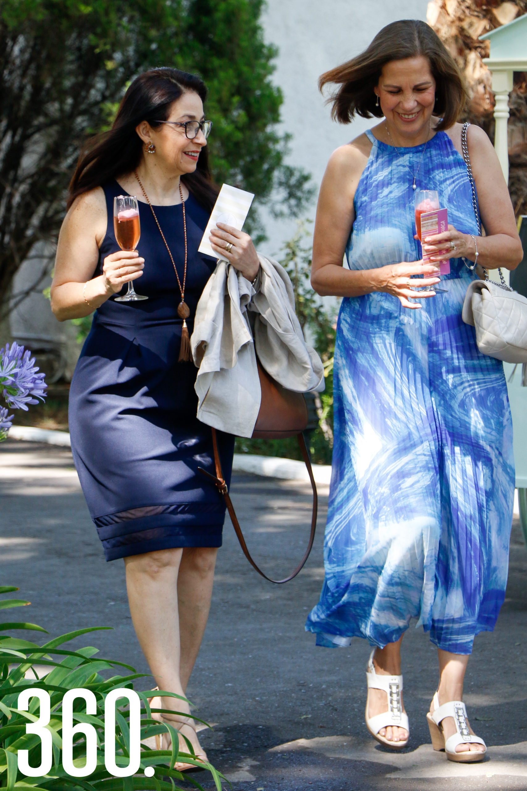 Lorena Flores y Magdalena Arsuaga.