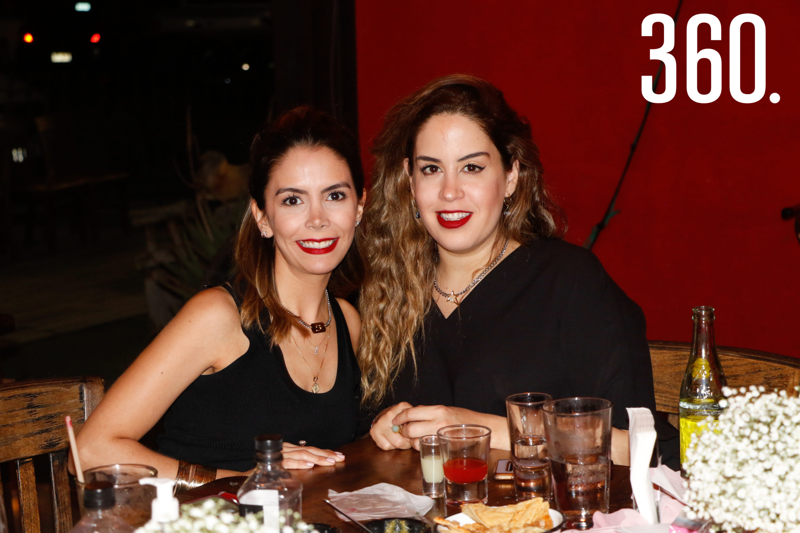 Sara y Mariana Rodríguez.