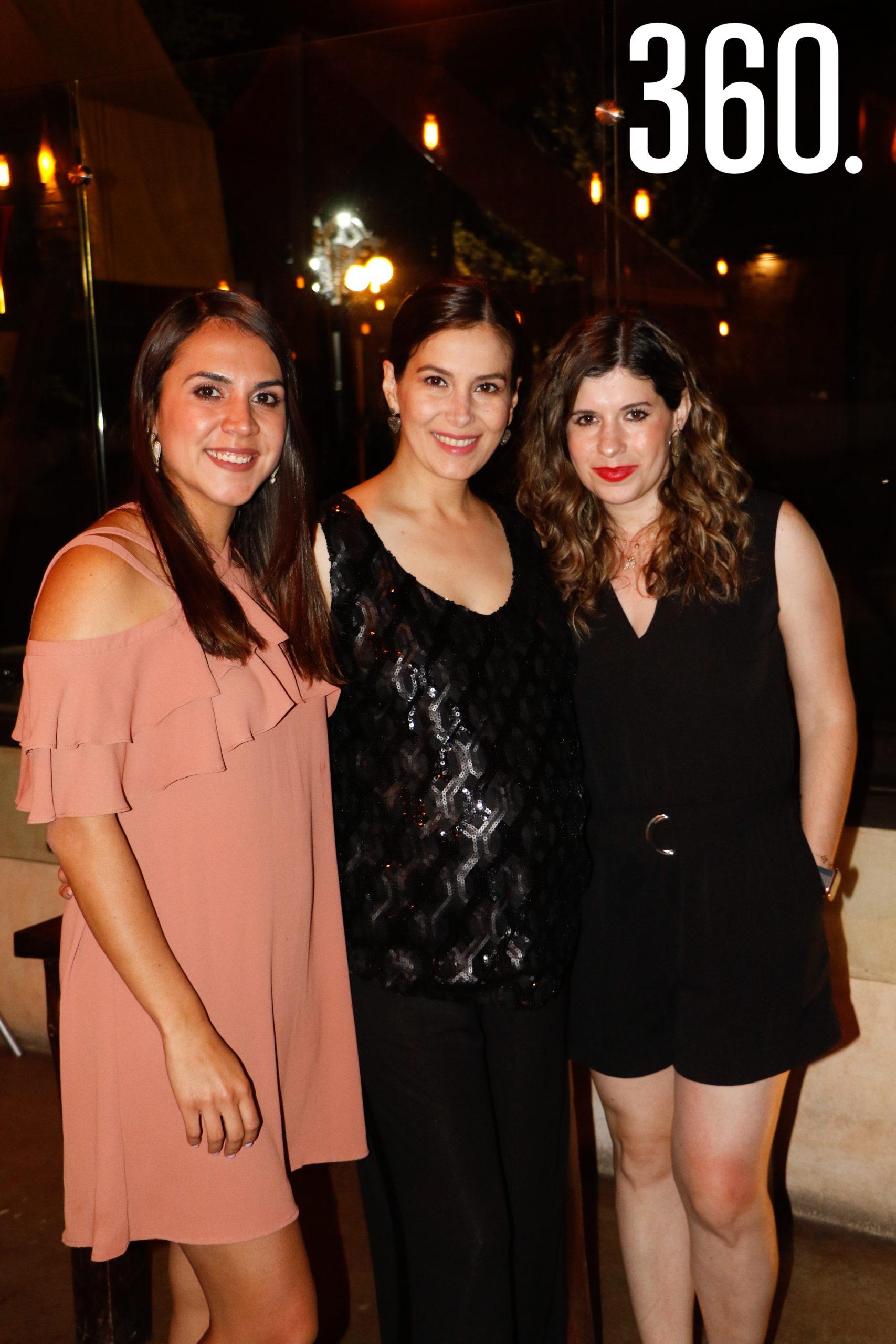 Con Priscila Araiza y Natalia Villalobos.