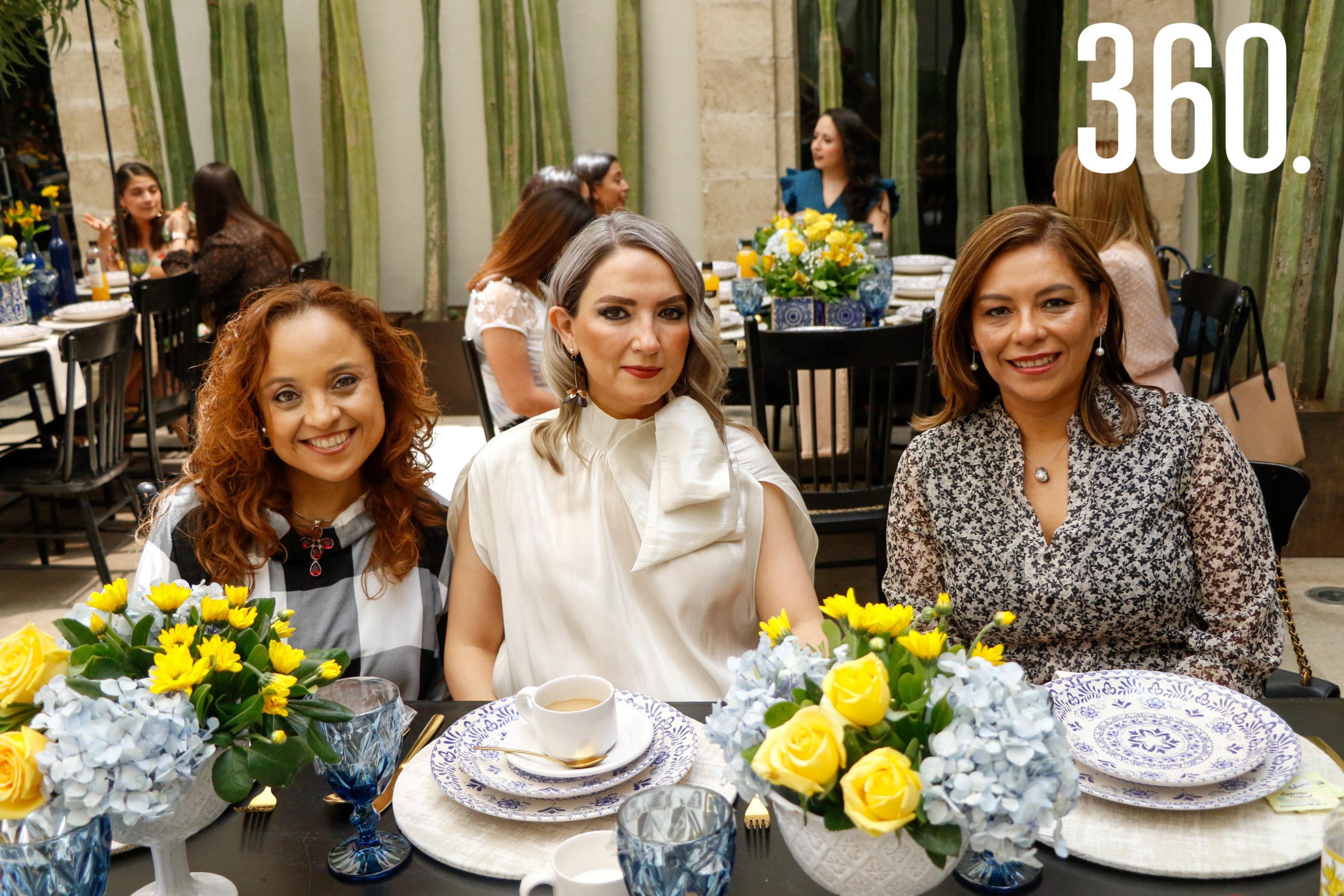Claudia Cruz, Celina Martínez y Liliana Cisneros.