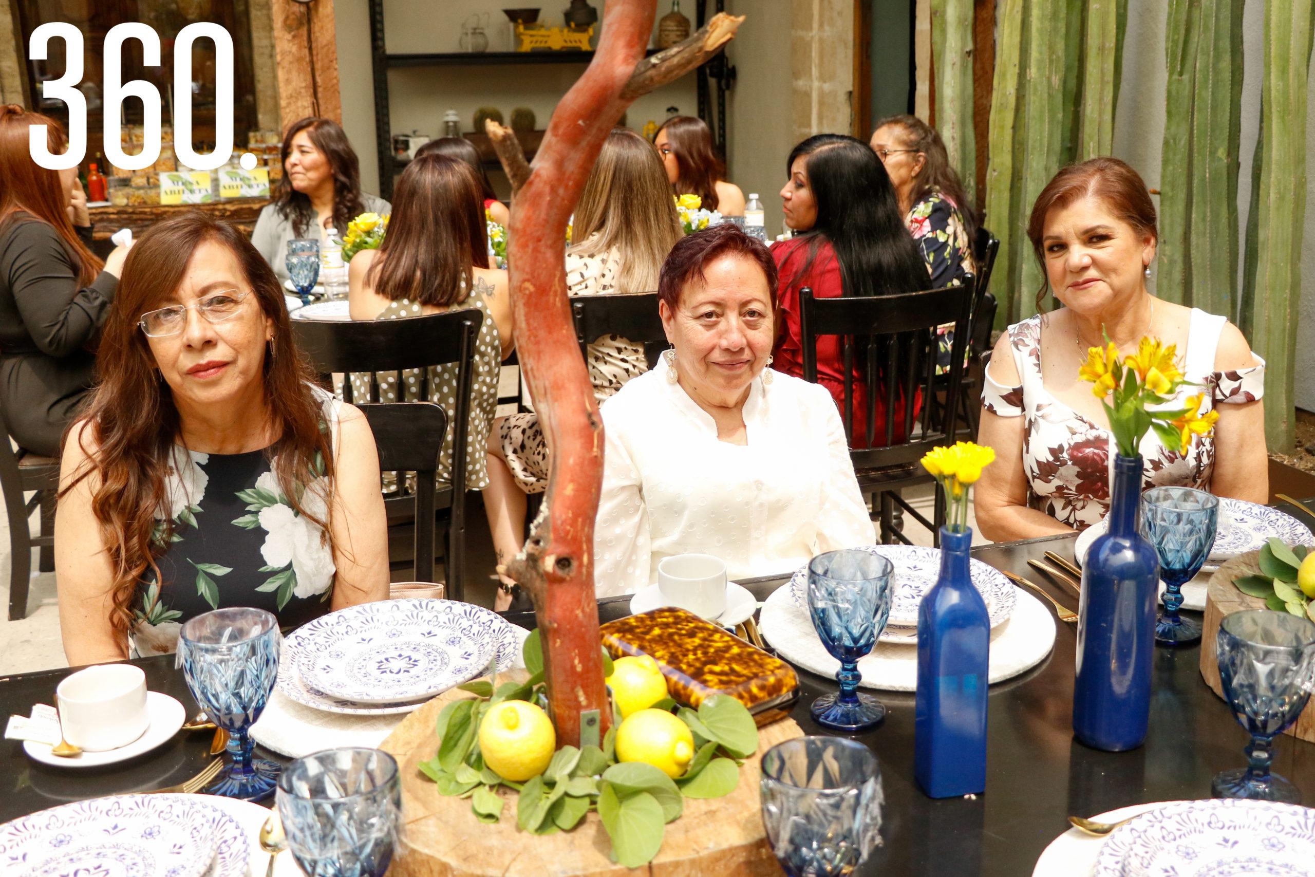 Magdalena Gómez, Armandina Gómez y Bertha Alicia González.