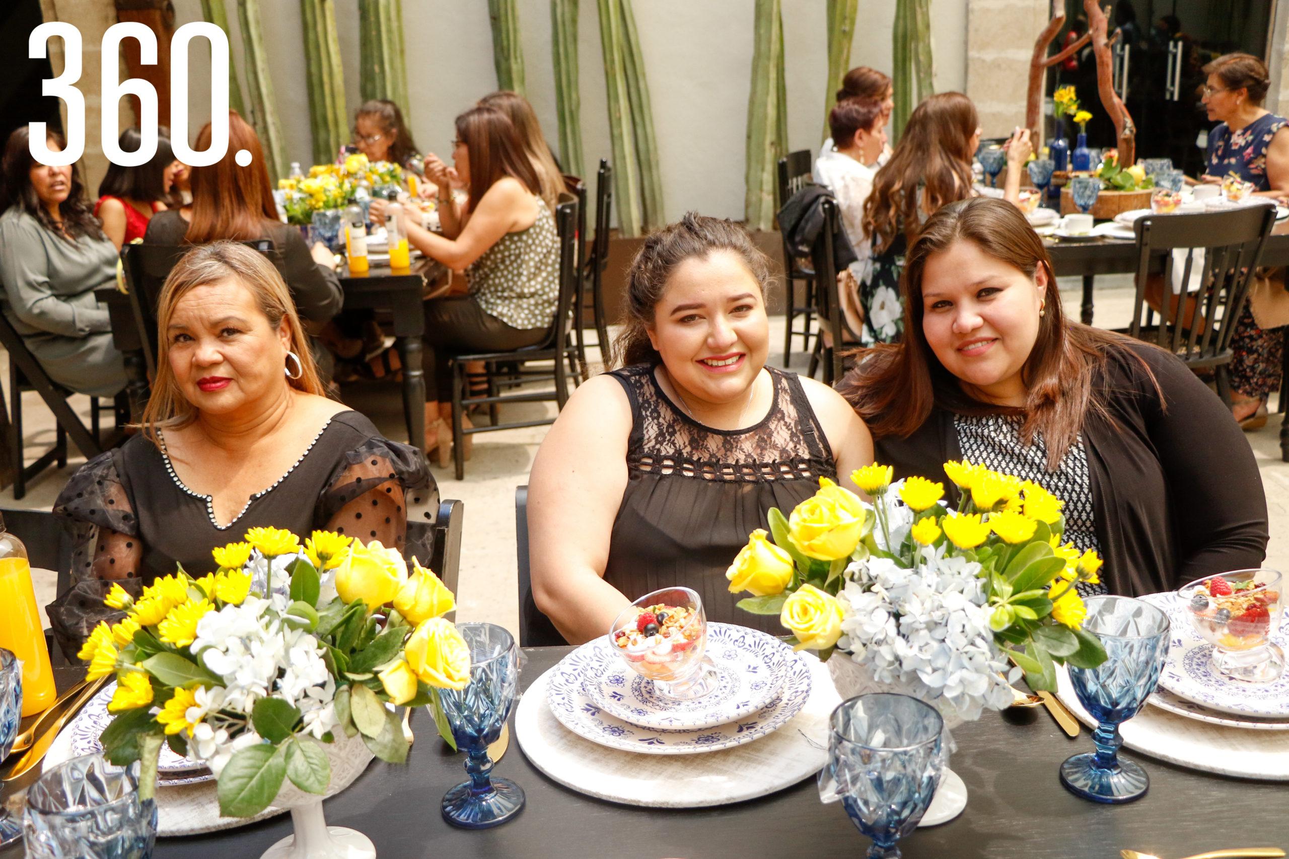 Laura Rodríguez, Saraí Alonso y Alicia Alonso.