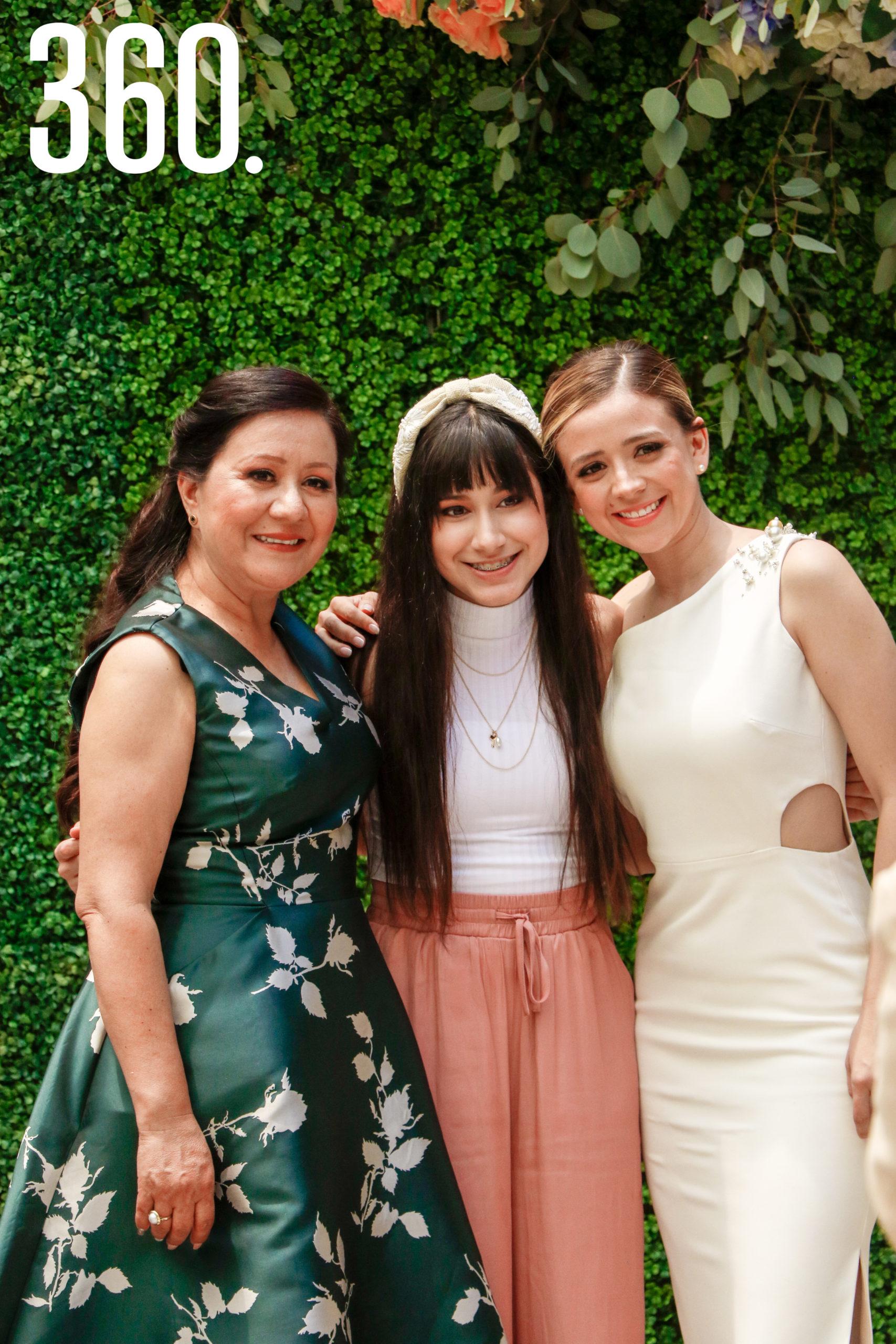 María de la Luz Muñoz, Camila Hernández y Michelle Sánchez.