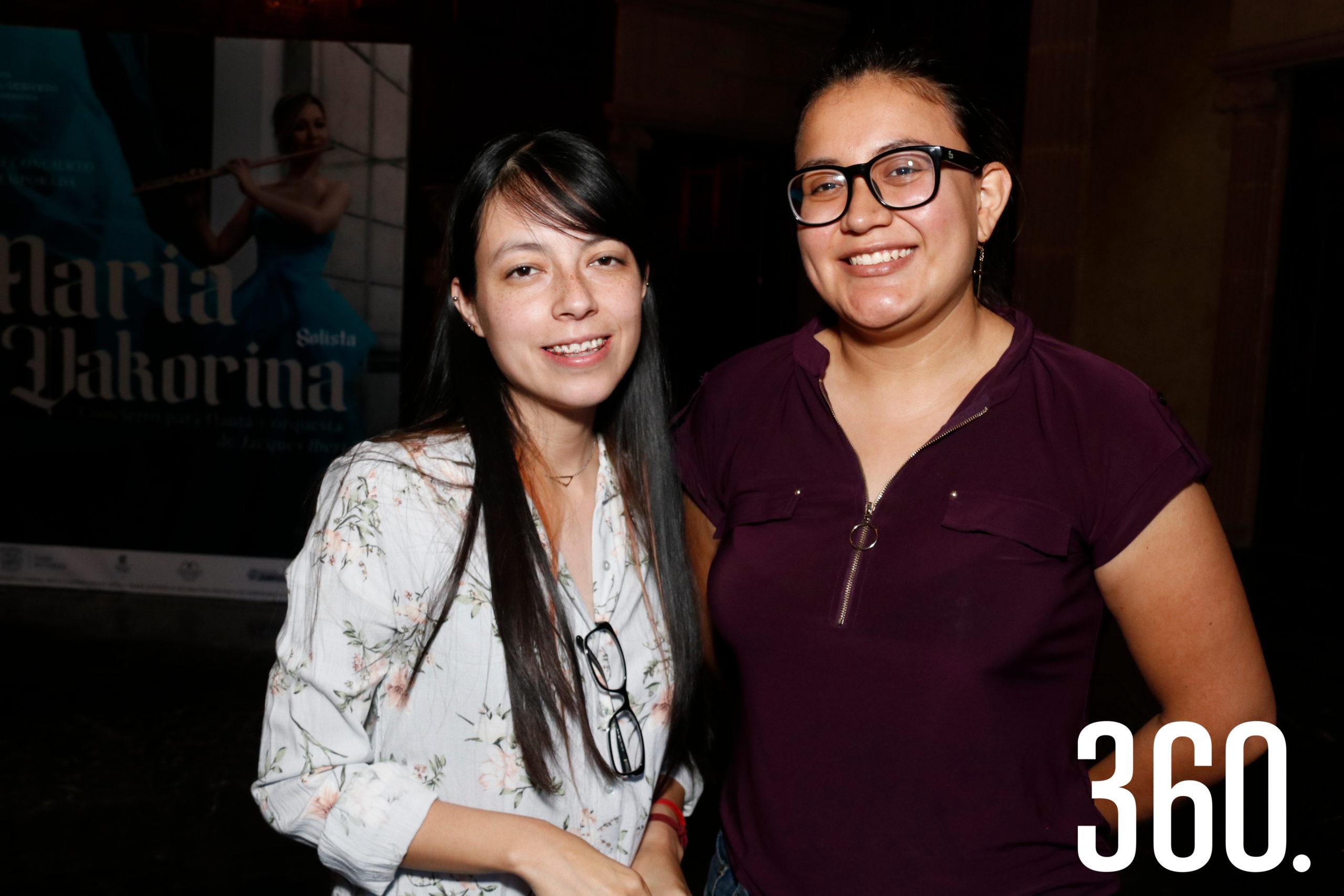Vianey Tejada y Karina Carranza.