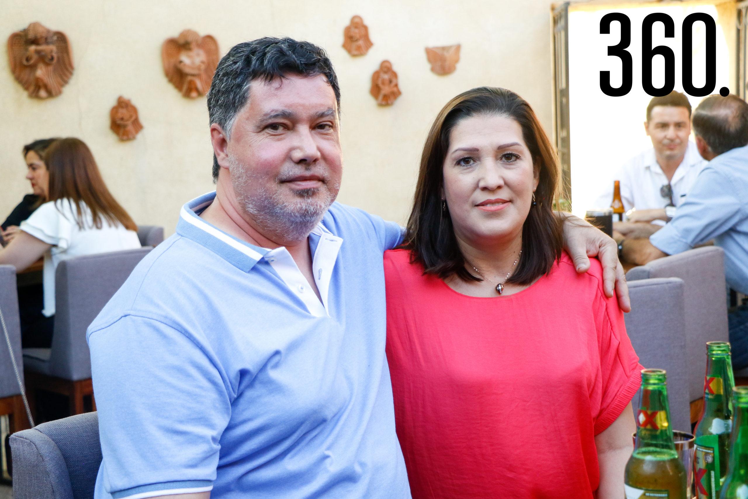 Gilberto Cavazos y Dulce Patricia de Cavazos.