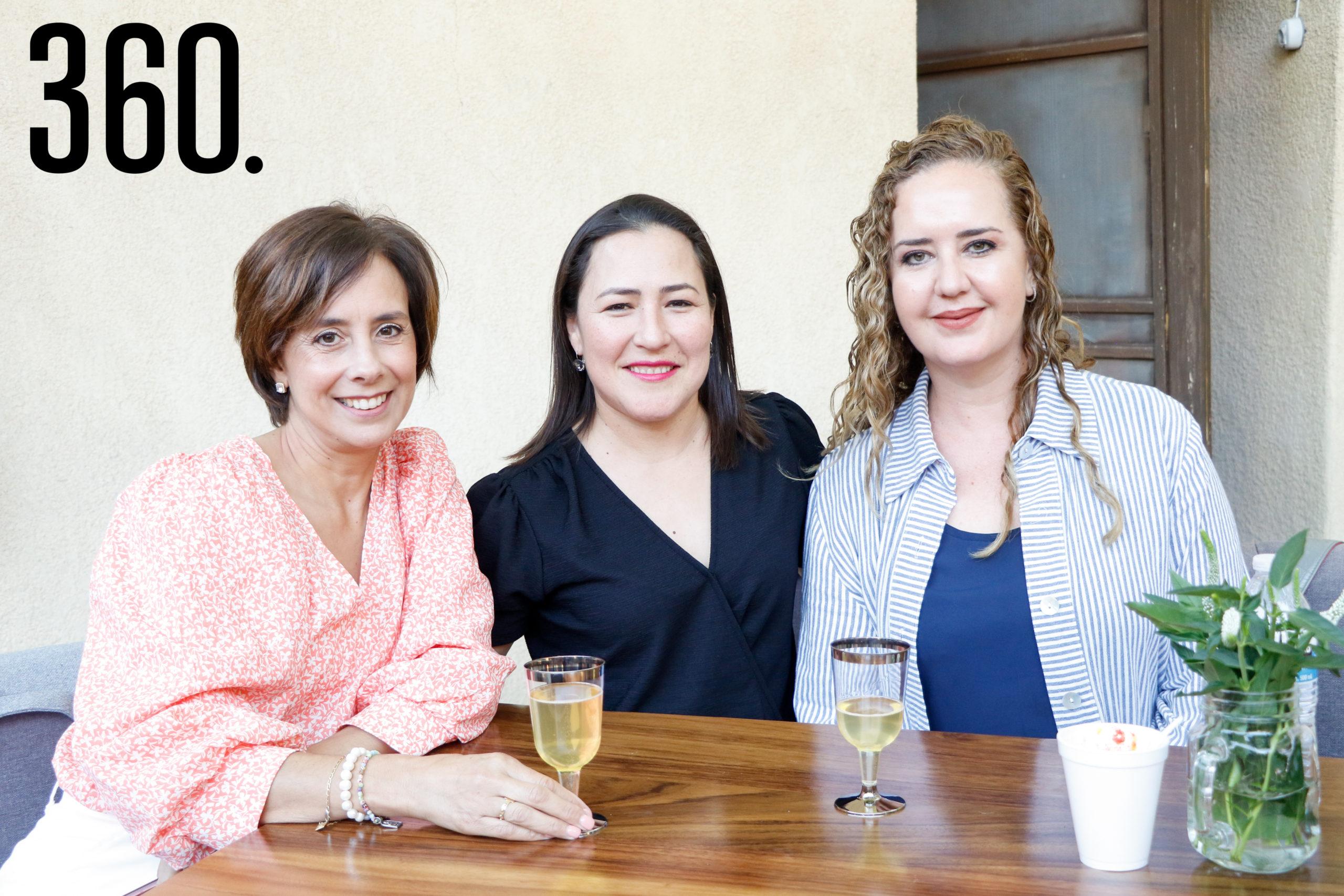 Adriana Ramos, Ana Teresa López y Gaby Mendoza.