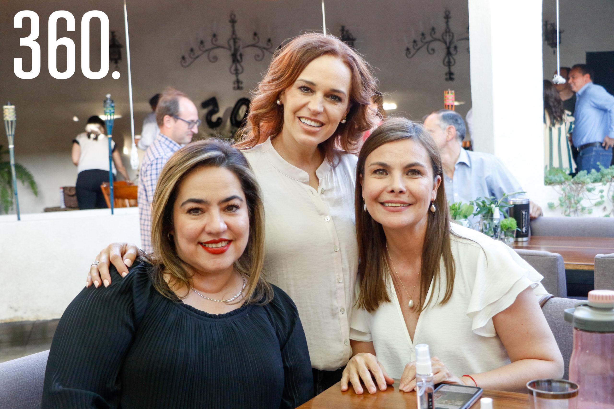 Yely Quiñones, Verónica Valdés y Susell Rodríguez.