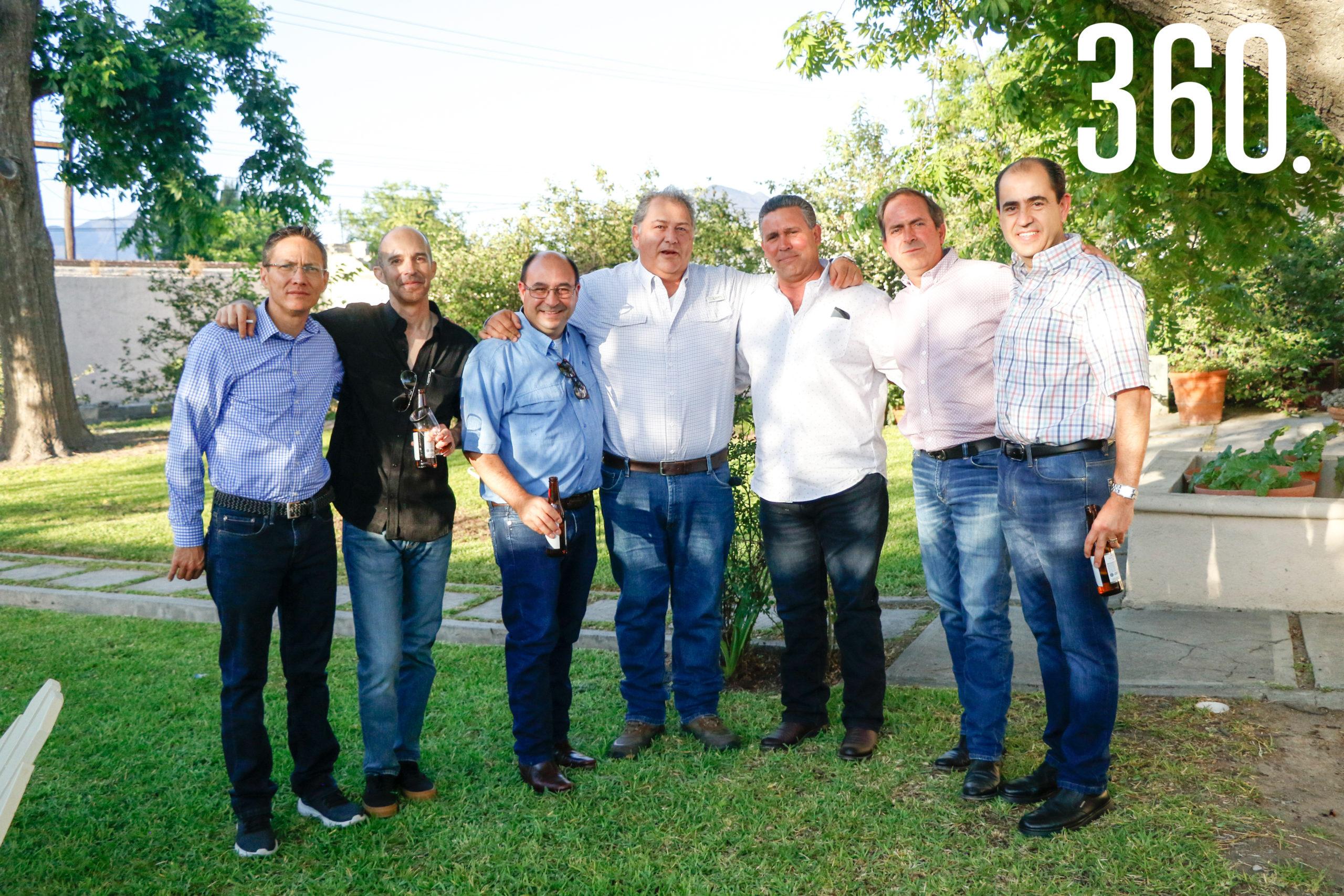 Aldegundo Dorbecker, Alfonso Aguirre, Adrián García, Juan Sierra, Adrián González, David Villarreal y Arturo Garza.
