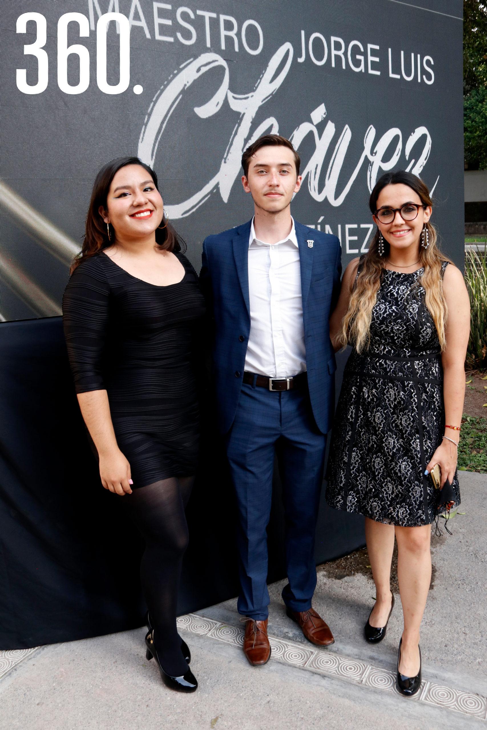 Ceci Armendarez, Jesús Cabrera y Marcela Lombell.
