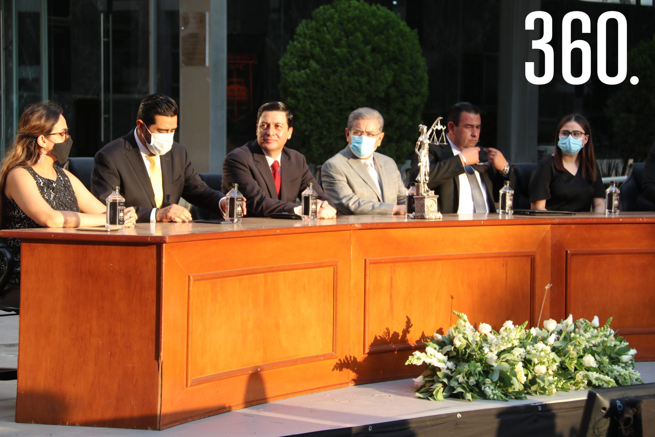 Ana Marcela Lombell, Iván Garza García, Jorge Luis Chávez, Salvador Hernández, Alfonso Yáñez y Elena Ramos.