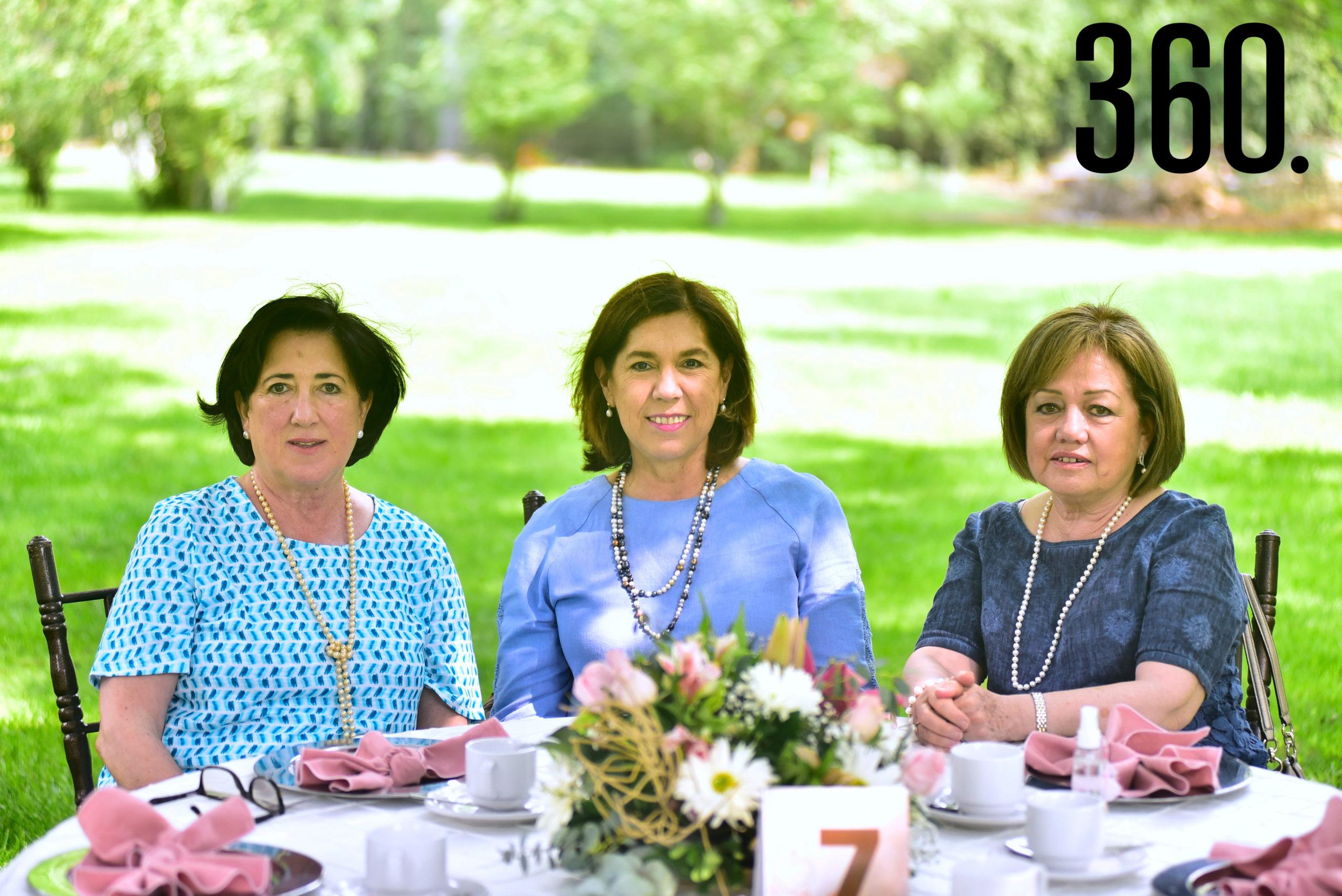 Lourdes Lobo, Guadalupe Risoul y Laura Martínez.