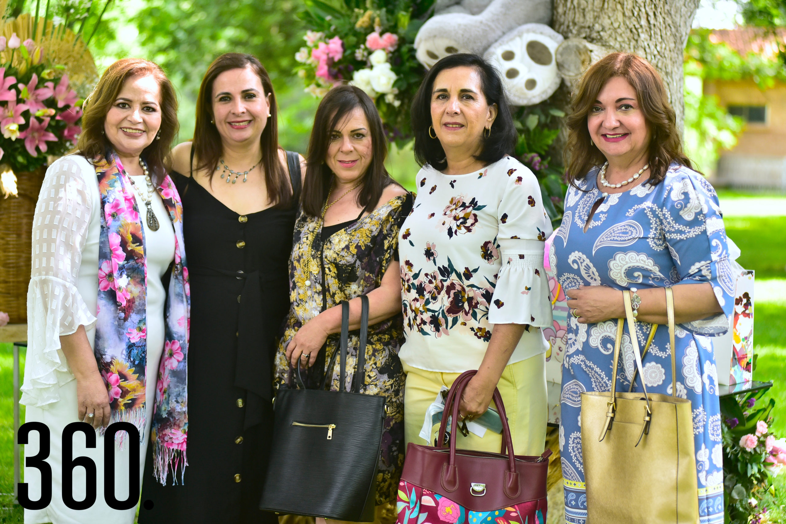 Lili Melo de De las fuentes, Fabiola Aguirre, Martha Aguirre, Paula Aguirre y Lourdes Carral de Garza.