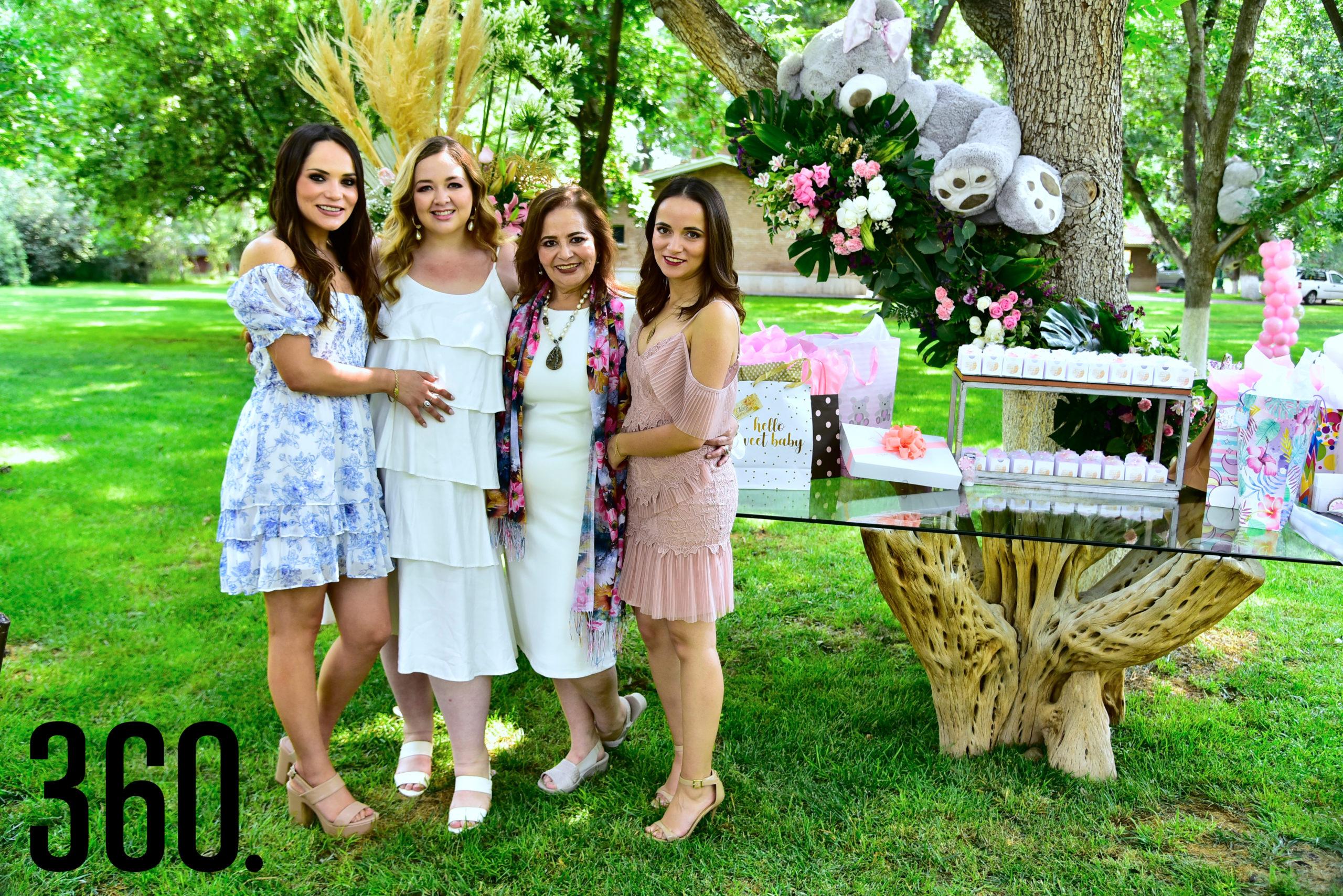 Lili de las Fuentes, Carla Verduzco, Lili Melo de De las Fuentes y Ana Cristina de las Fuentes.