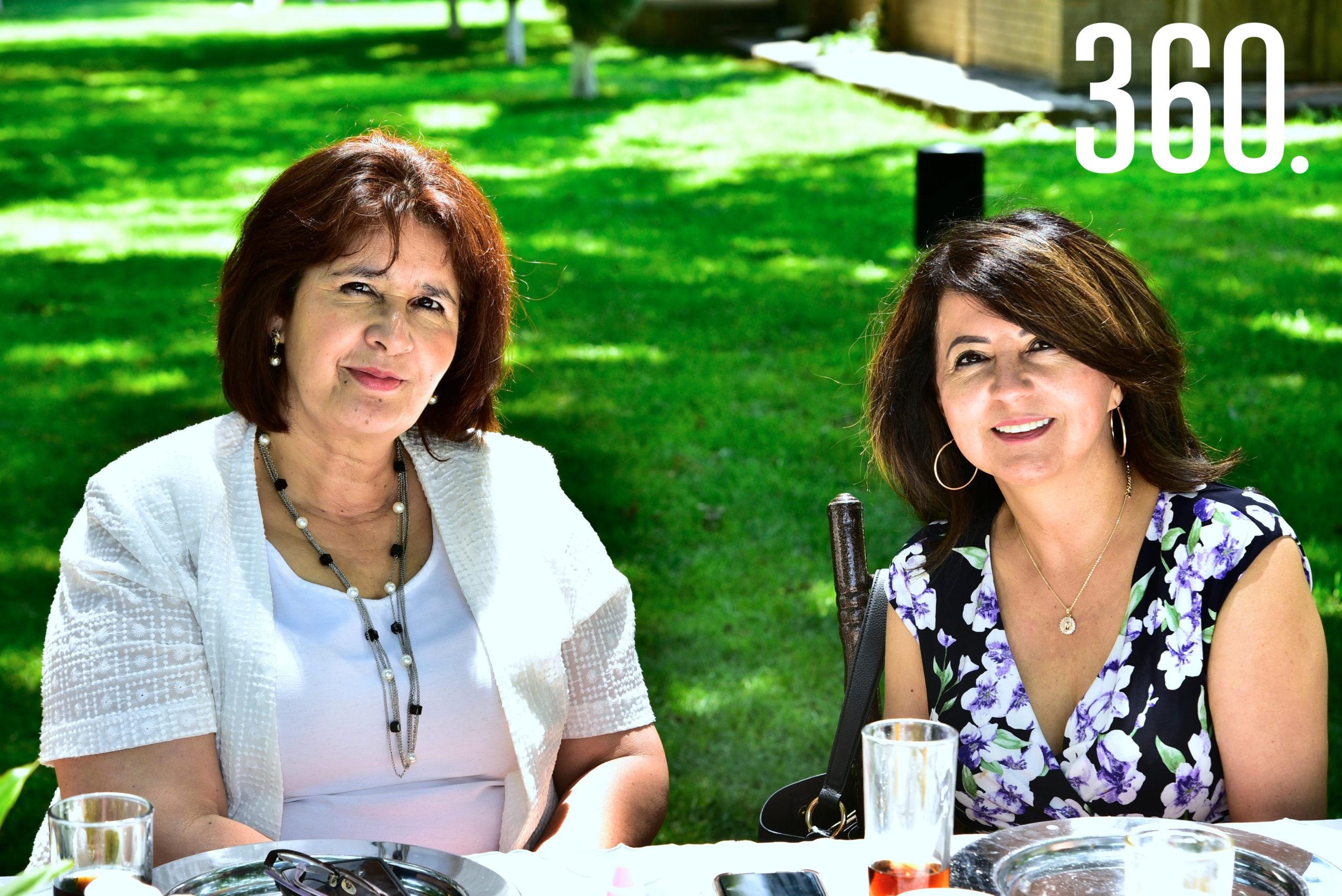 Laura Villanueva y Martha Elena Durón.