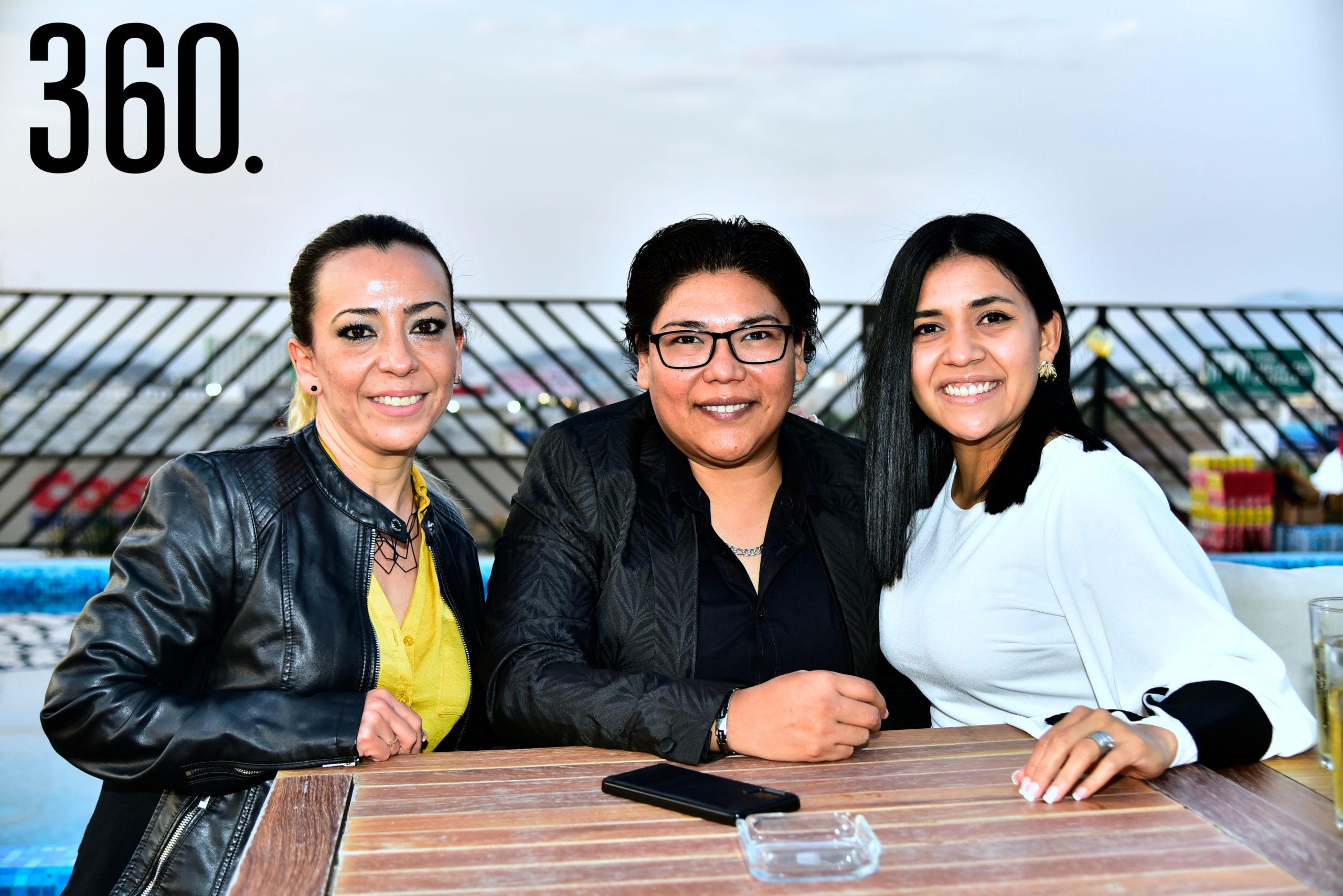 Lourdes Díaz, Carolina Muro y Mayra Arenas.