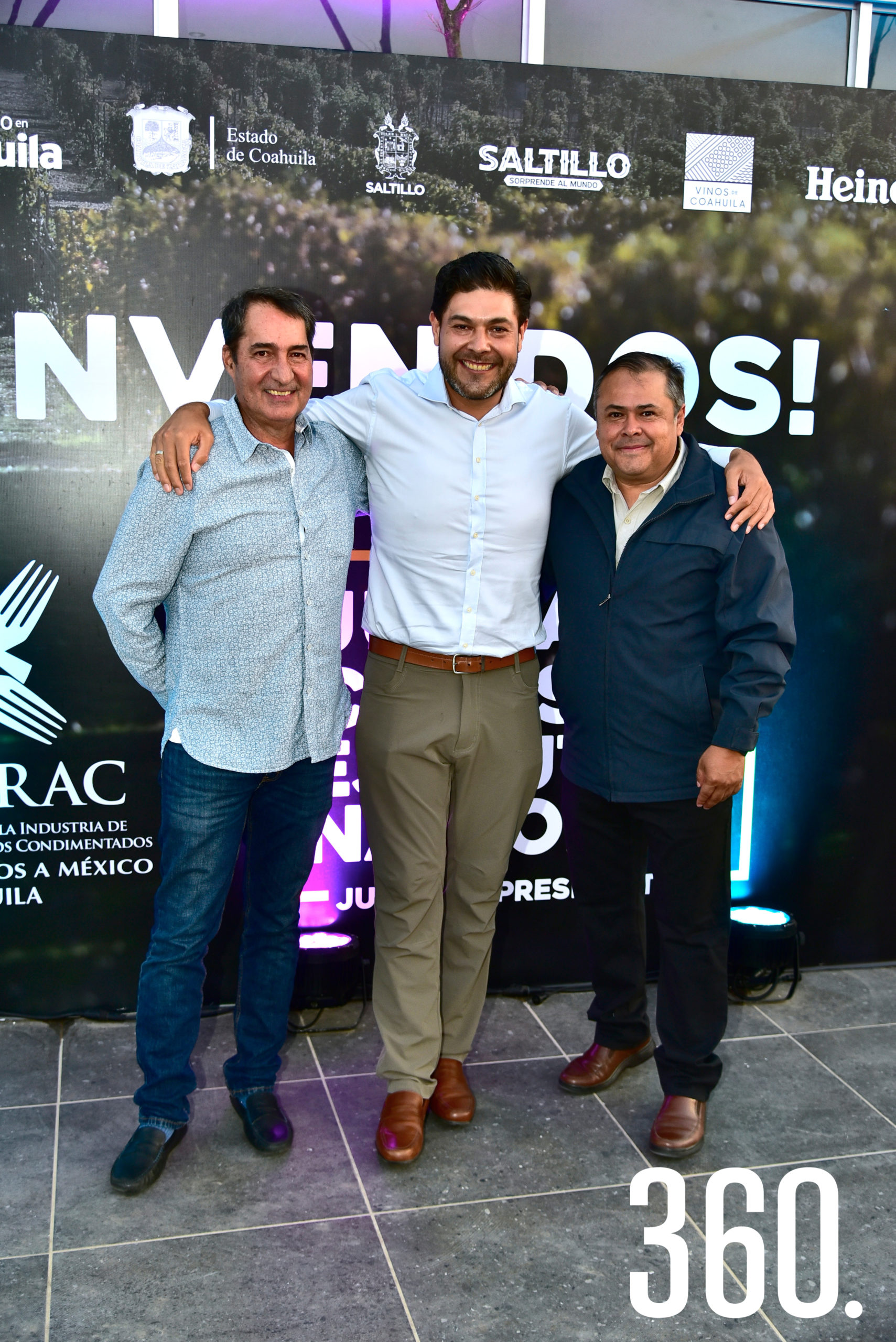 José Álvarez, Alejandro Hernández y Juan Carlos Banda.