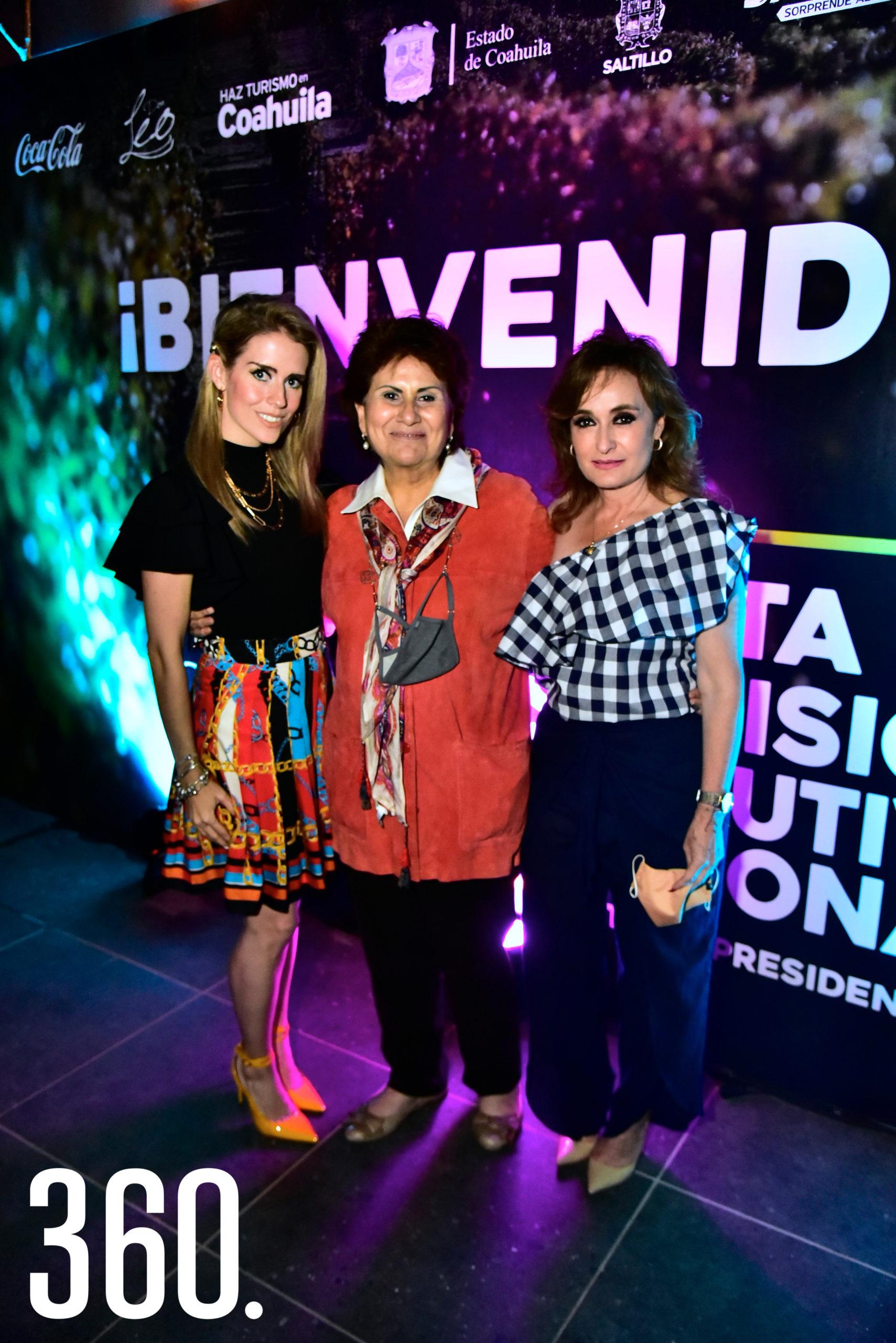 Ángela Hernández, María Eugenia Sánchez y Azucena Ramos.