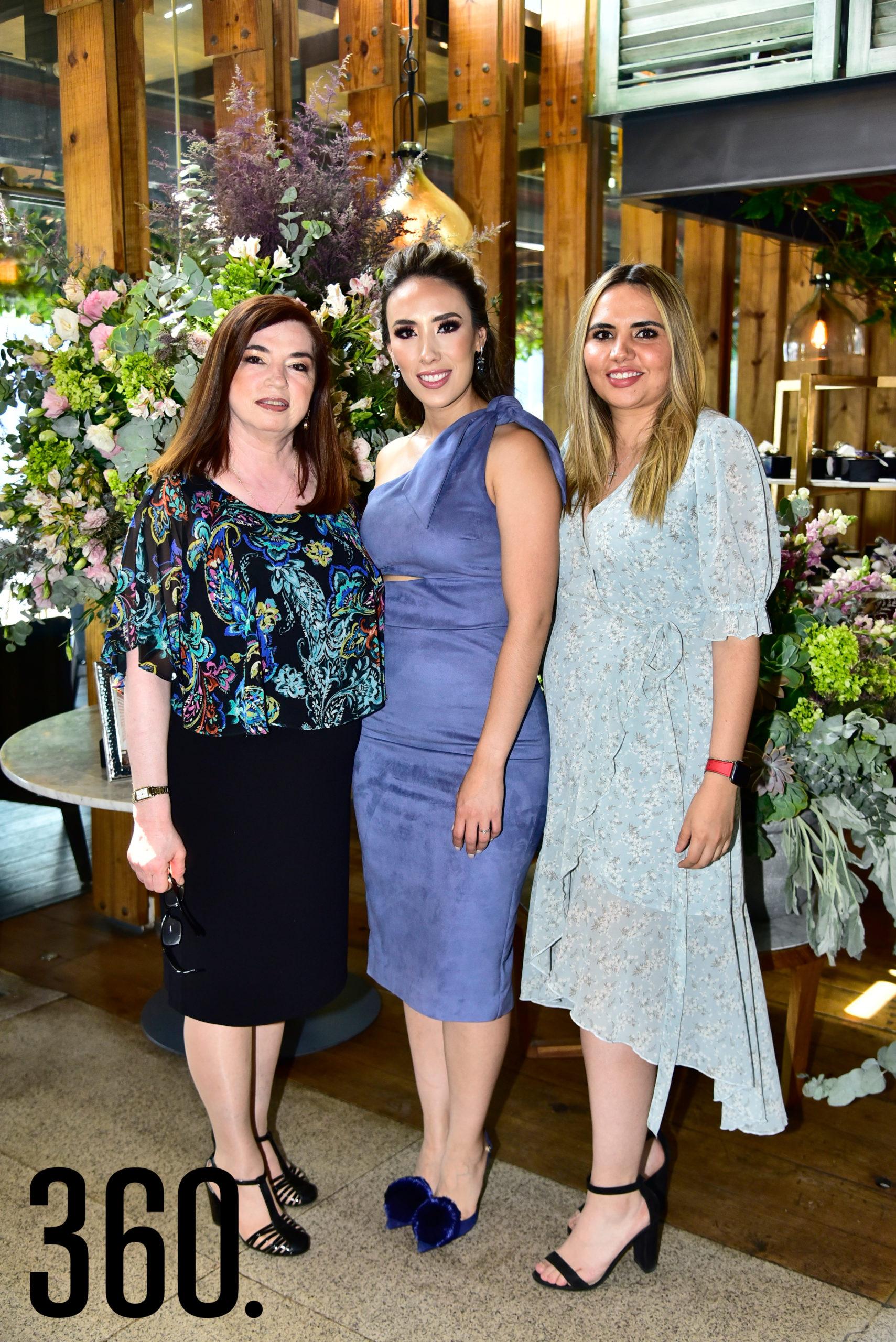 Maricarmen Ramos, Lorena Villanueva y Maricarmen Acosta.