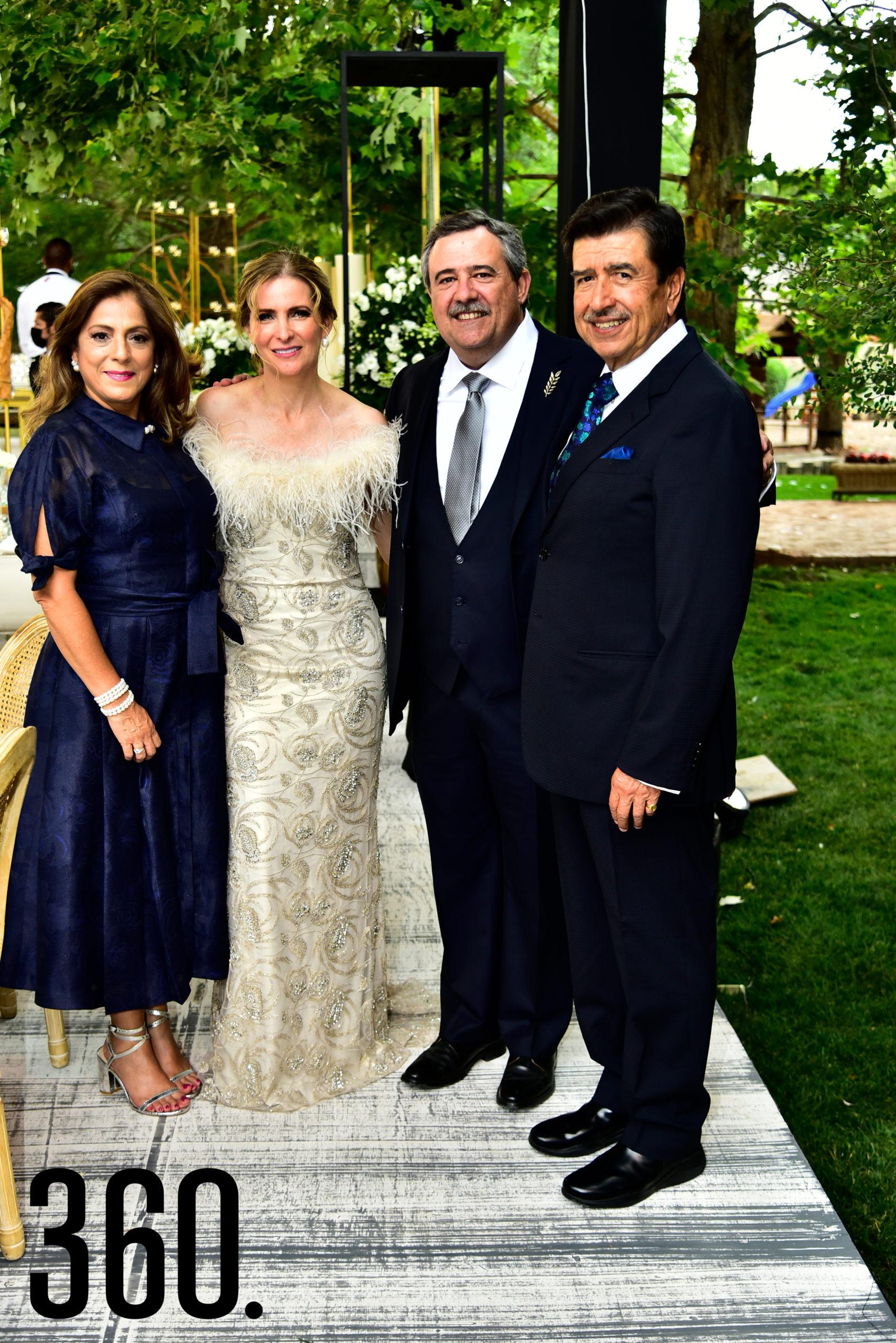 Ninfa Gamboa, Elma Arizpe de Dávila, Alejandro Dávila y Jaime Gutiérrez.