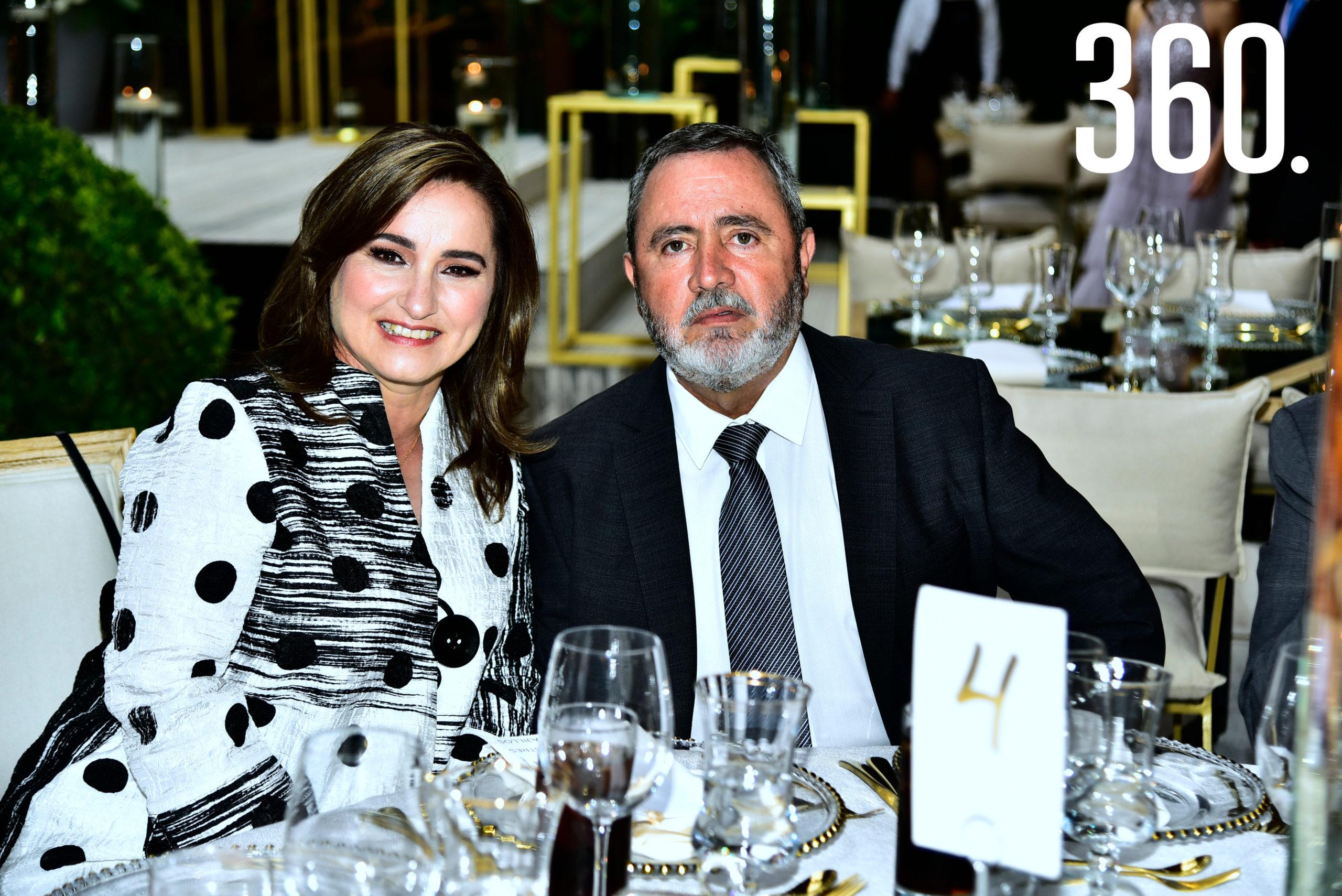 Luisa Soto y Carlos Dávila.