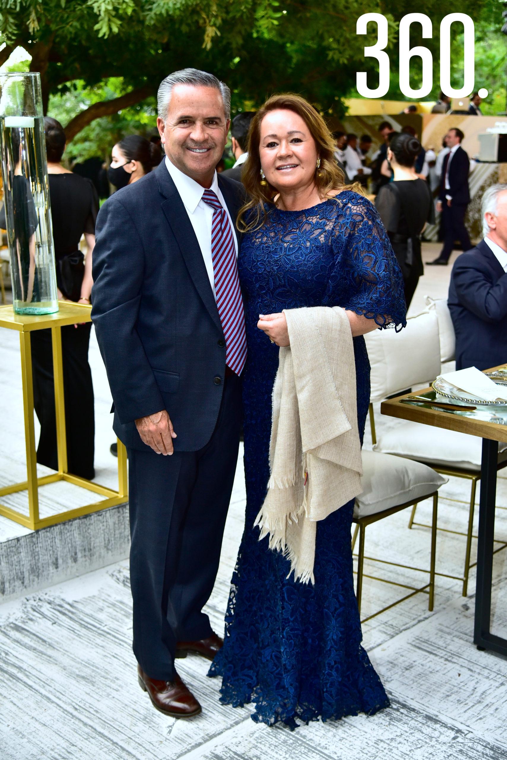 Armando López y Magdis Cárdenas de López.
