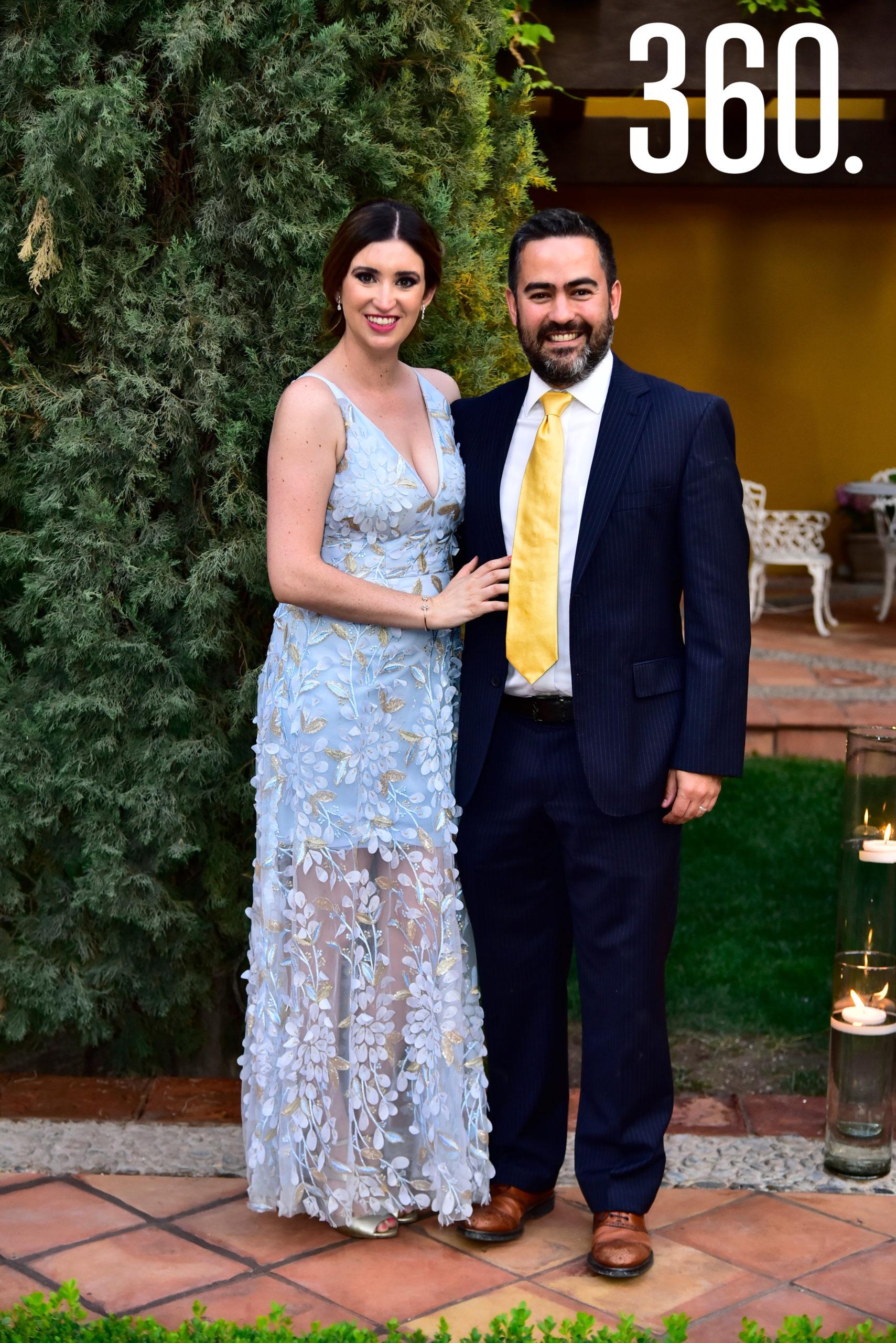 Irma Santoscoy y Miguel Arizpe.