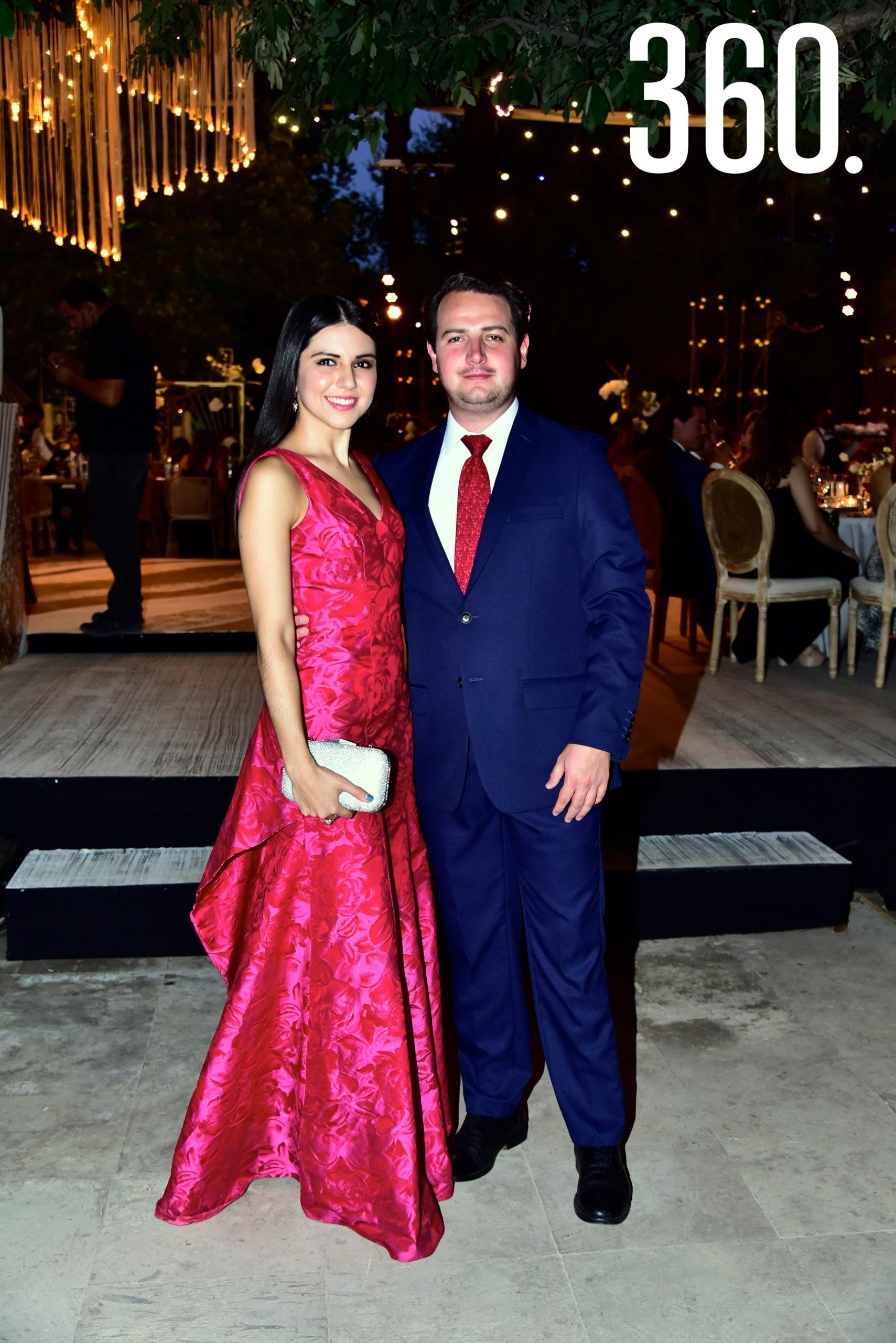 Mónica García y Óscar Flores.