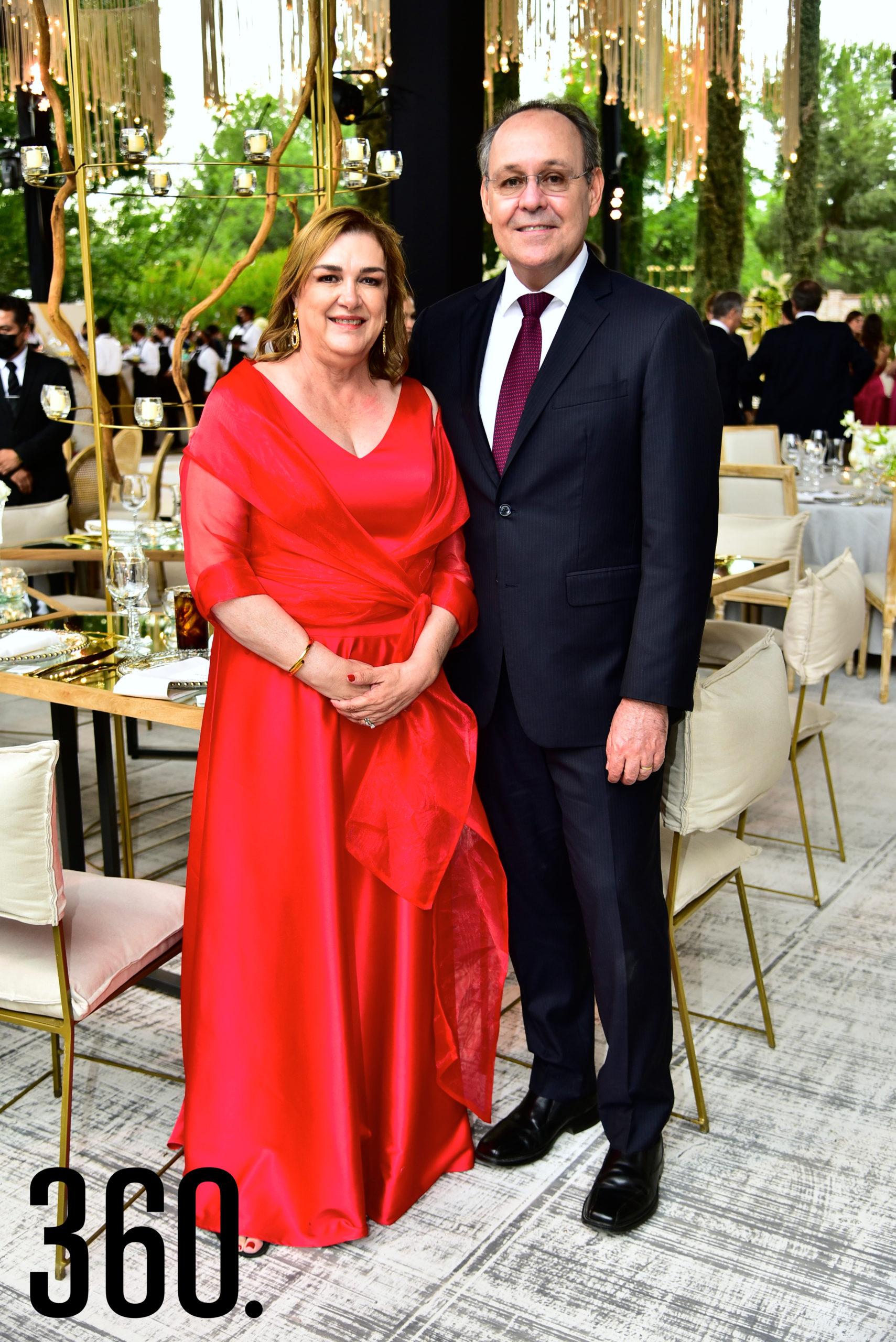 Raquel Torres y Arturo López Alanís.