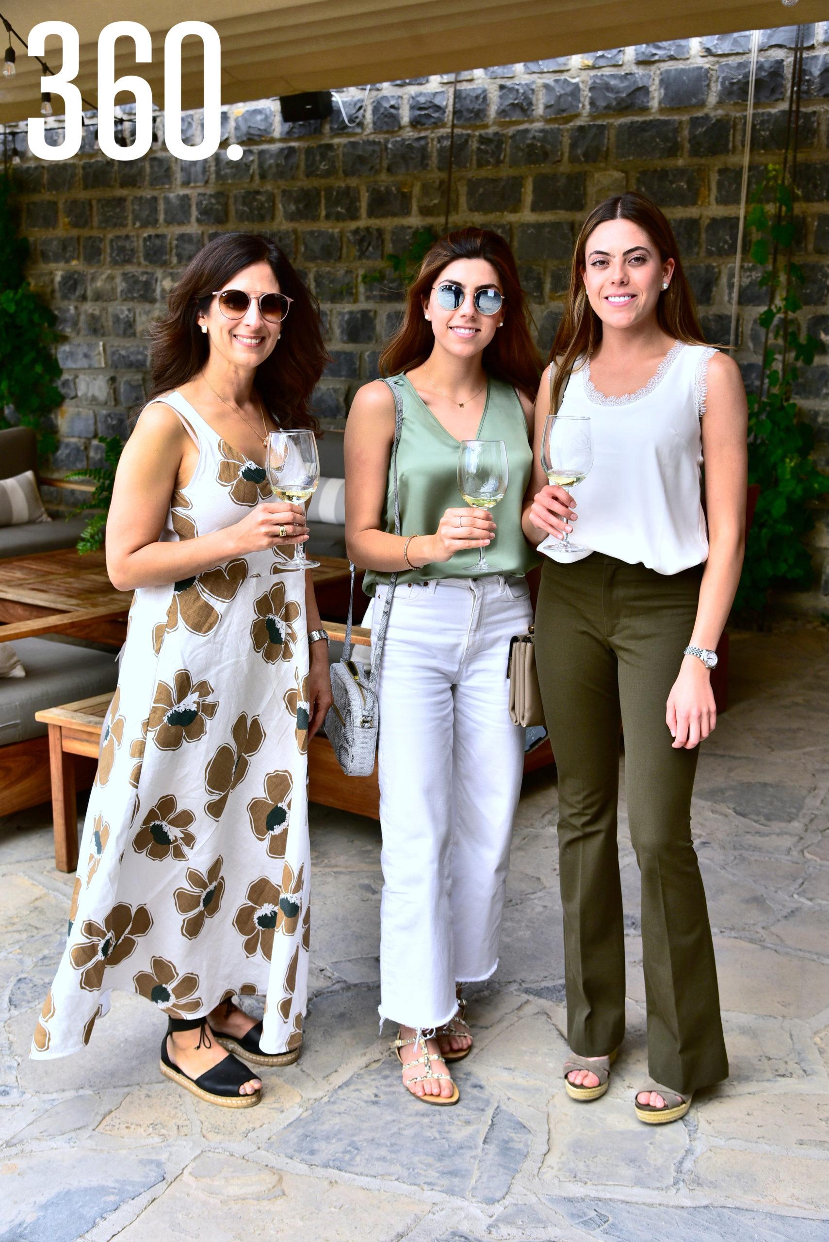 Beatriz Garza, Malena Mejía y Liliana Villarreal.