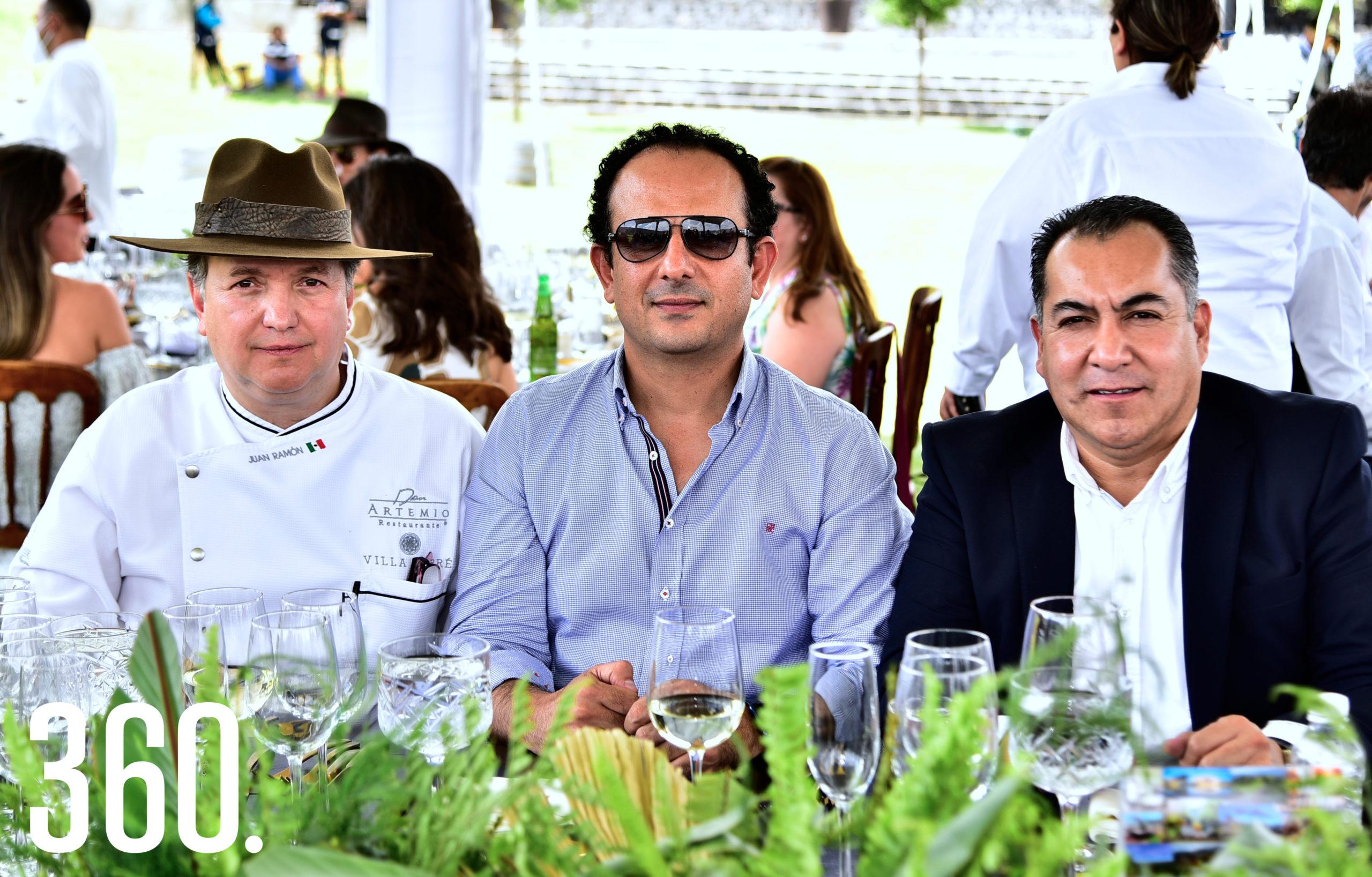 Juan Ramón Cárdenas, Juan Carlos Saade y Guillermo Martínez.