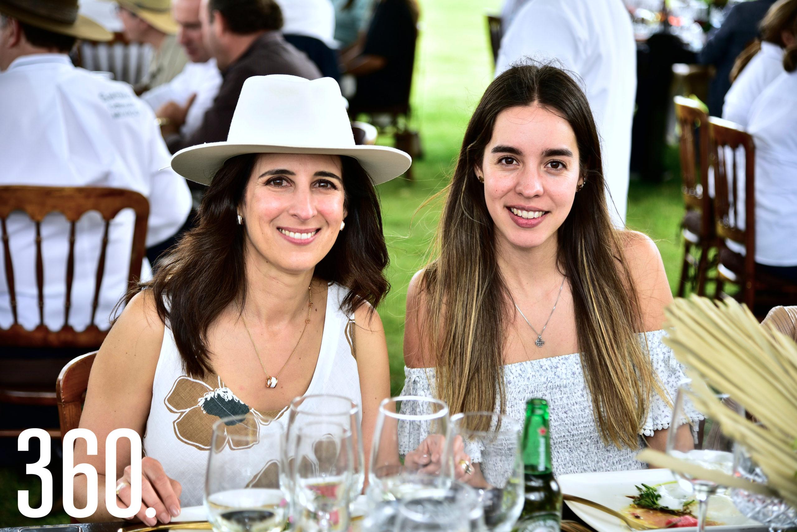 Beatriz Garza y Constanza Alvares.
