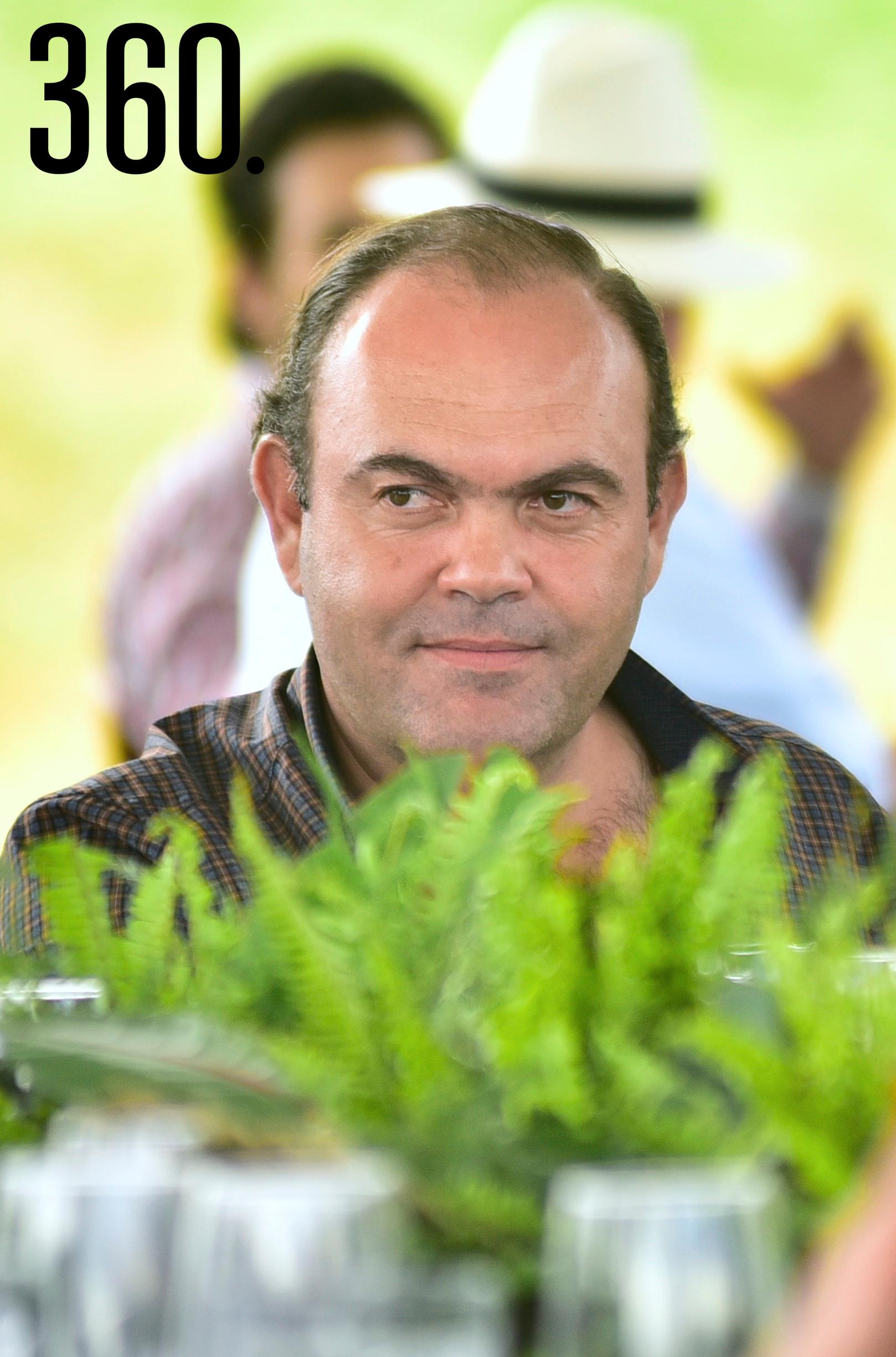Arturo Mendel.