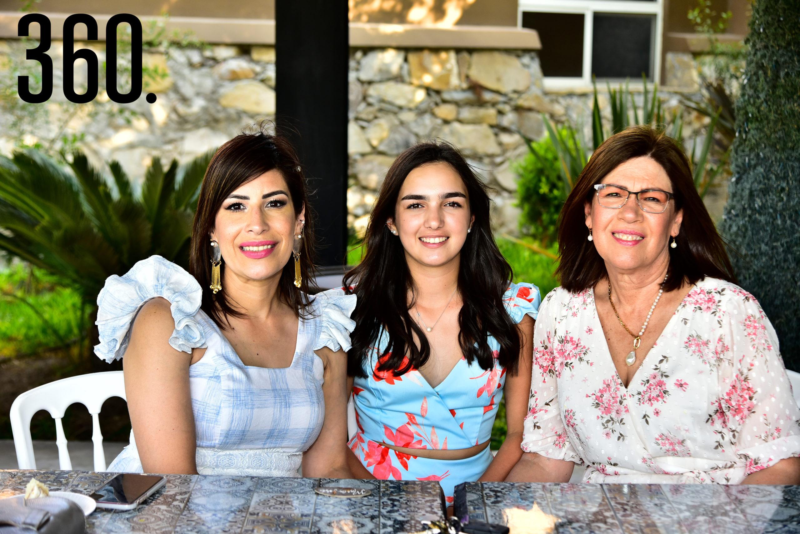 María José Carrillo, Isabella Cárdenas y Beatriz Amezcua.