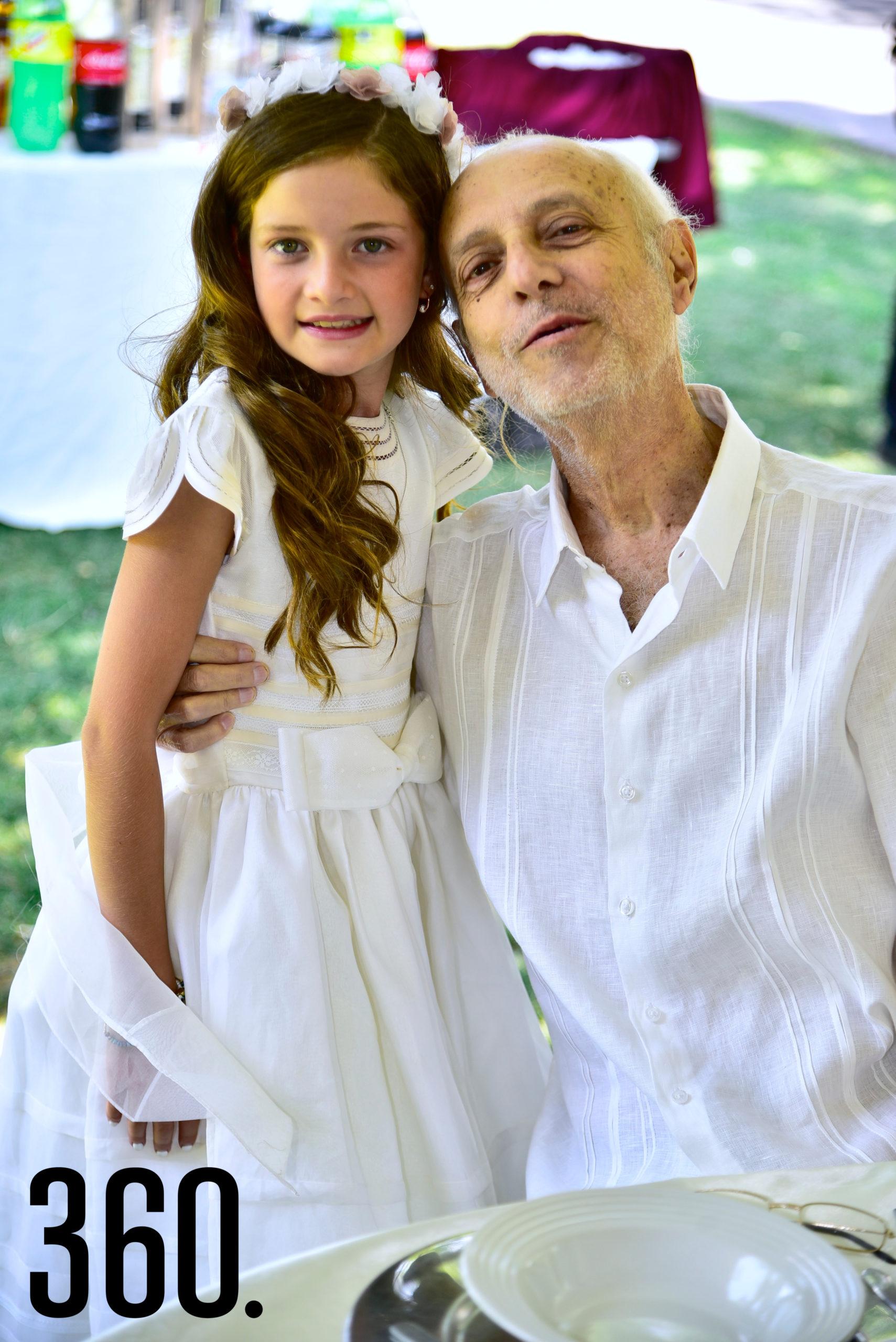 Isabella Gold Rodríguez y su abuelito Miguel Gold.