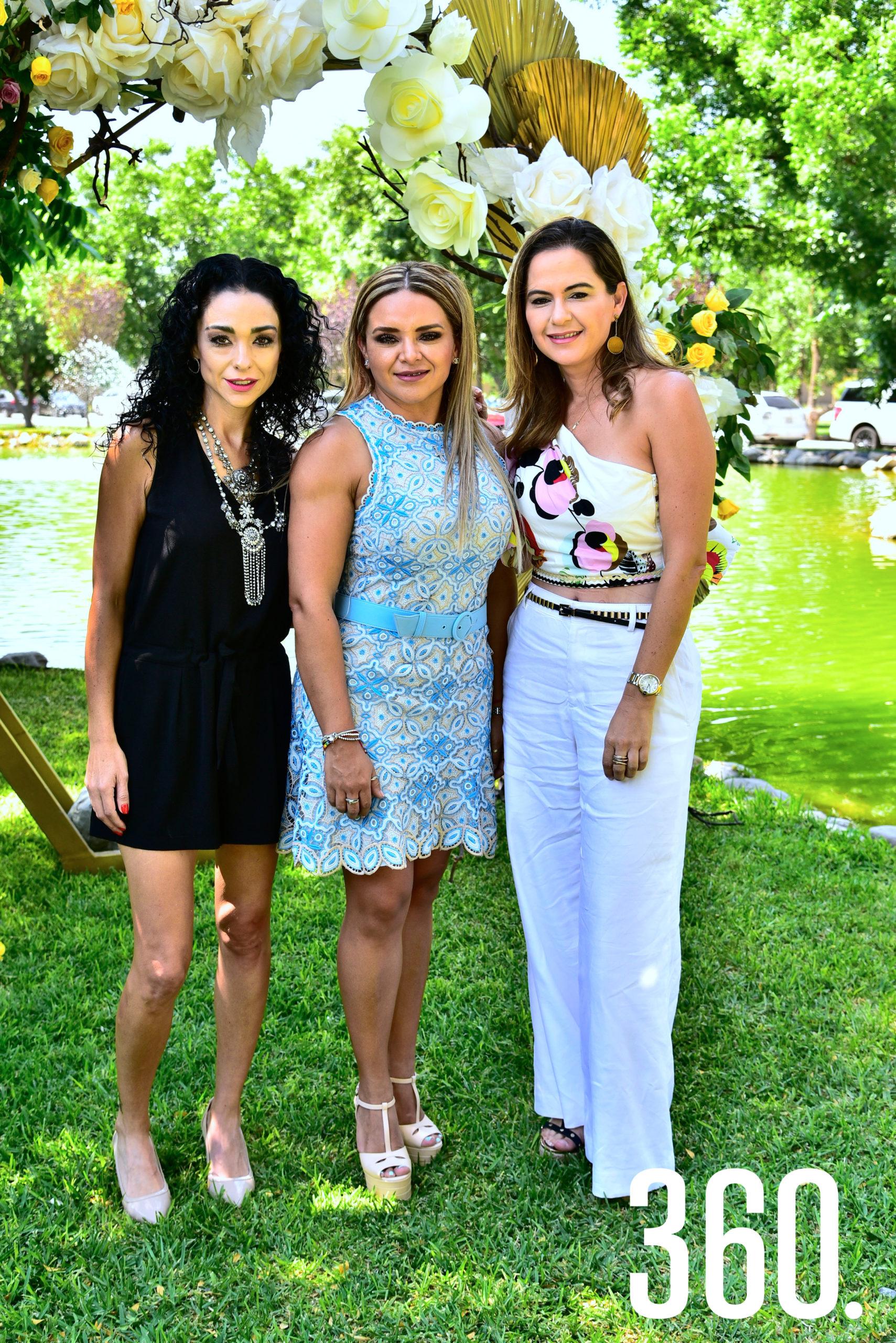Paloma Dávila, Mayra Rodríguez de Gold y Alejandra Wade.
