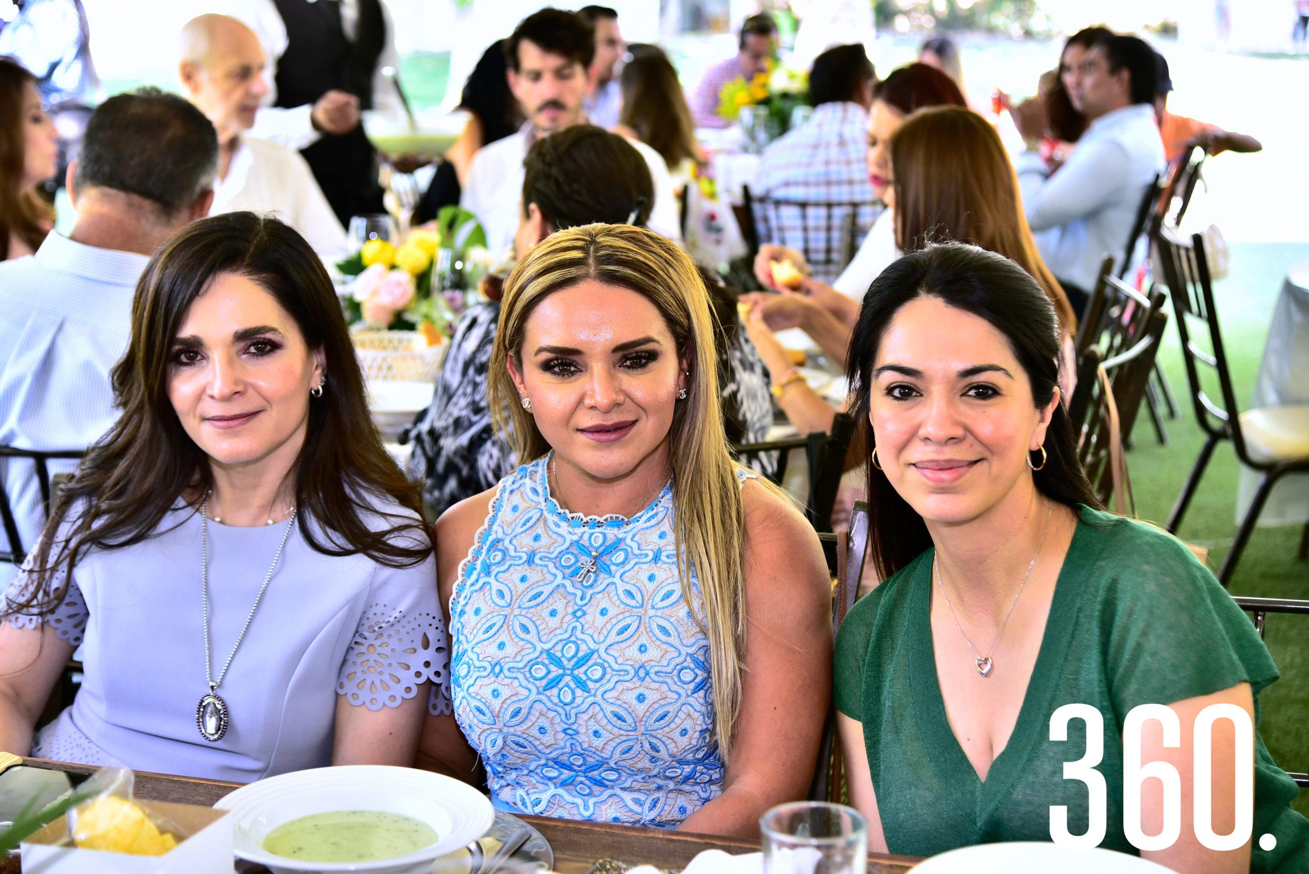Sofía Charvel, Mayra Rodríguez de Gold y Lizi Campos.