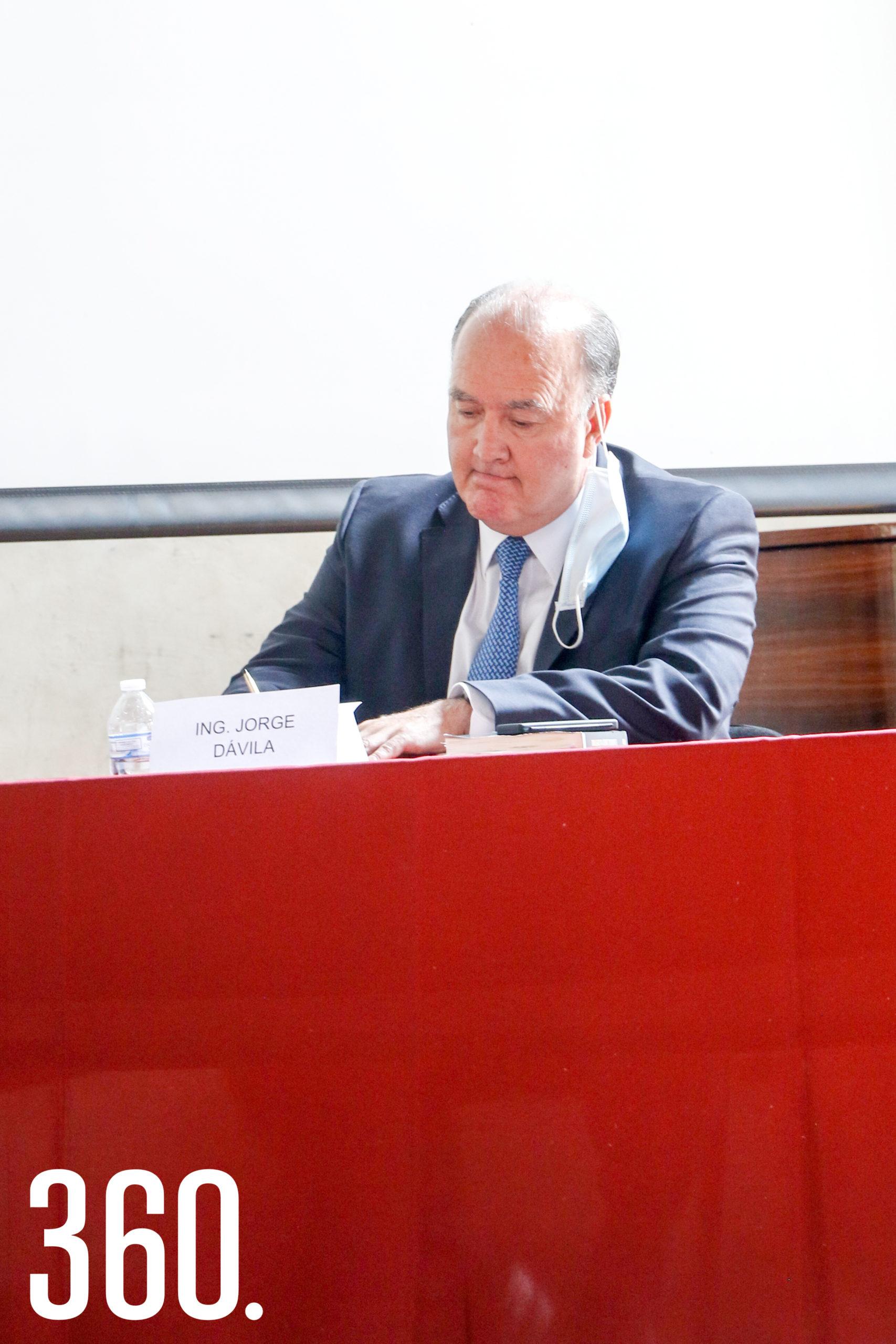 Jorge Dávila Flores, presidente del CEECS.