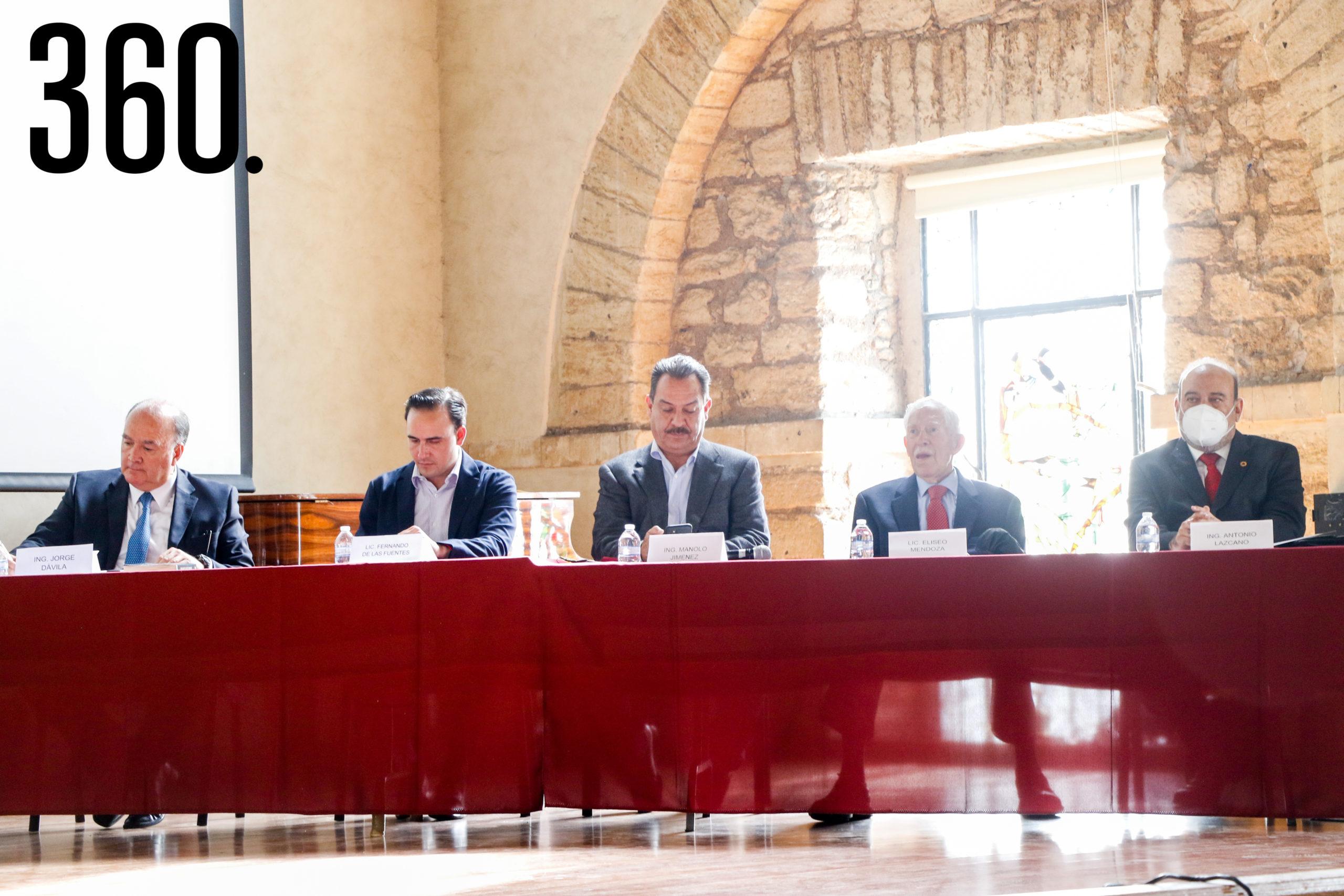 Jorge Dávila, Manolo Jiménez, Fernando de las Fuentes, Eliseo Mendoza y Antonio Lazcano.