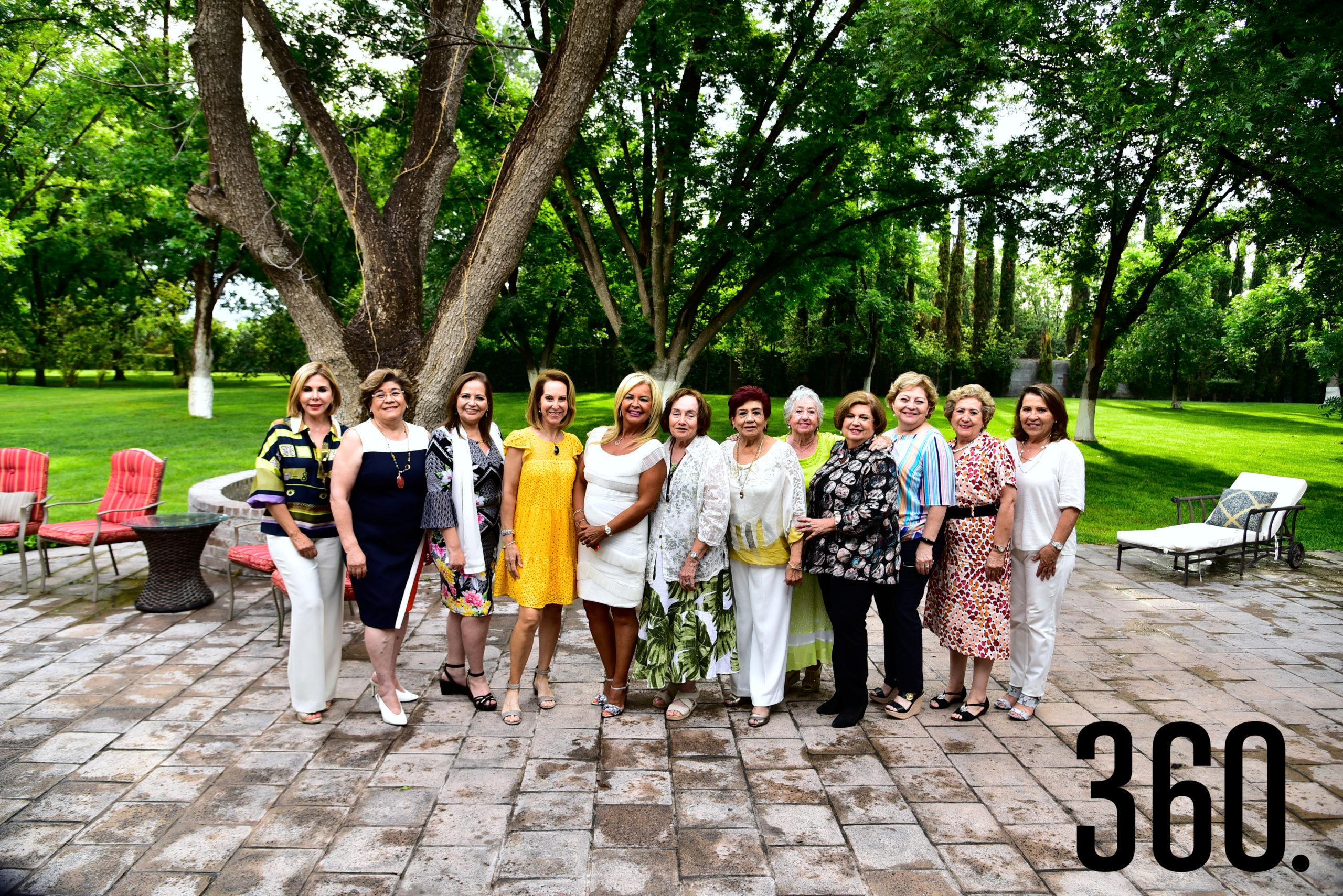 Club de Jardinería Azalea, celebrando el 45 aniversario de su fundación.