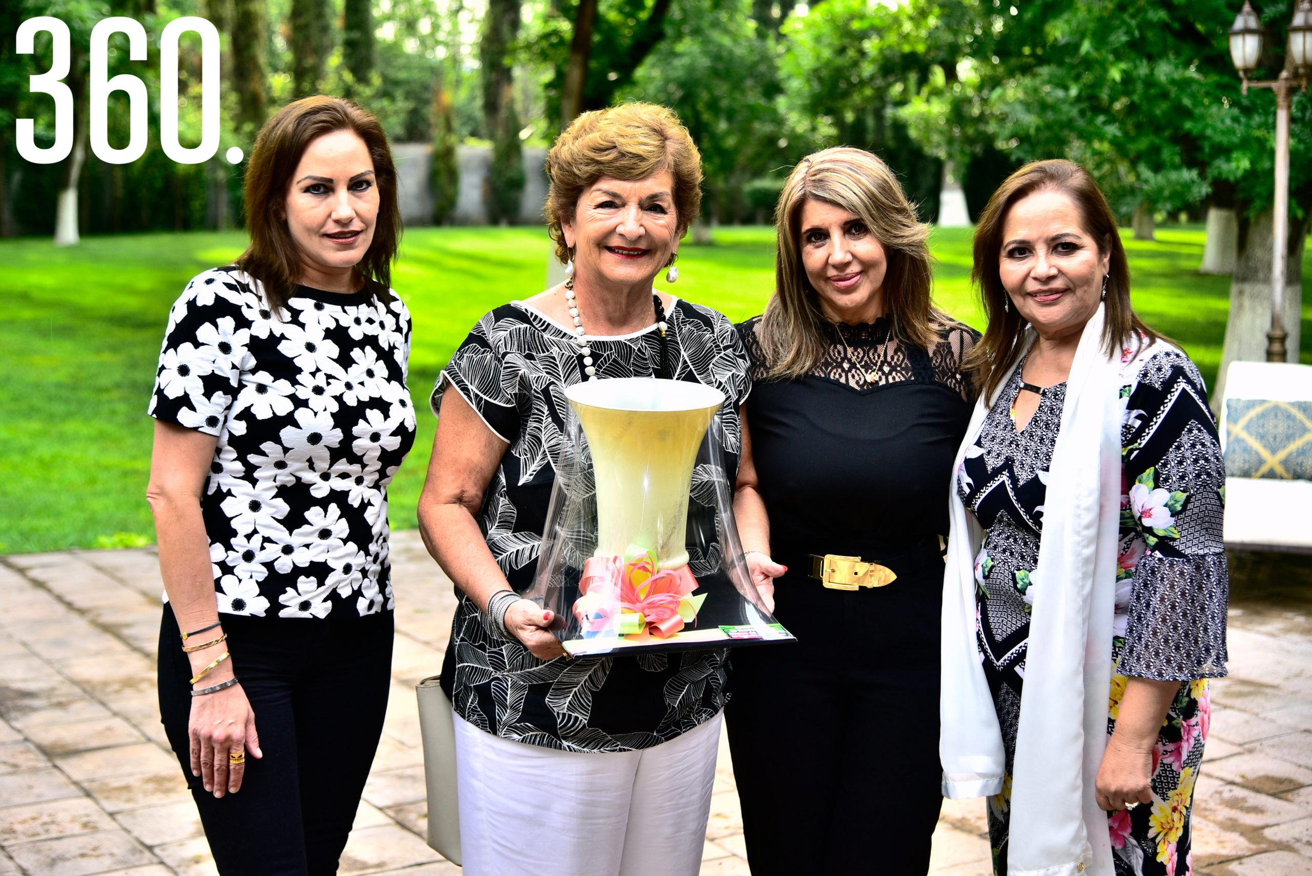 Katia Talamás, Lupita Villarreal, Griselda Valdés y Lili Melo de De las Fuentes.