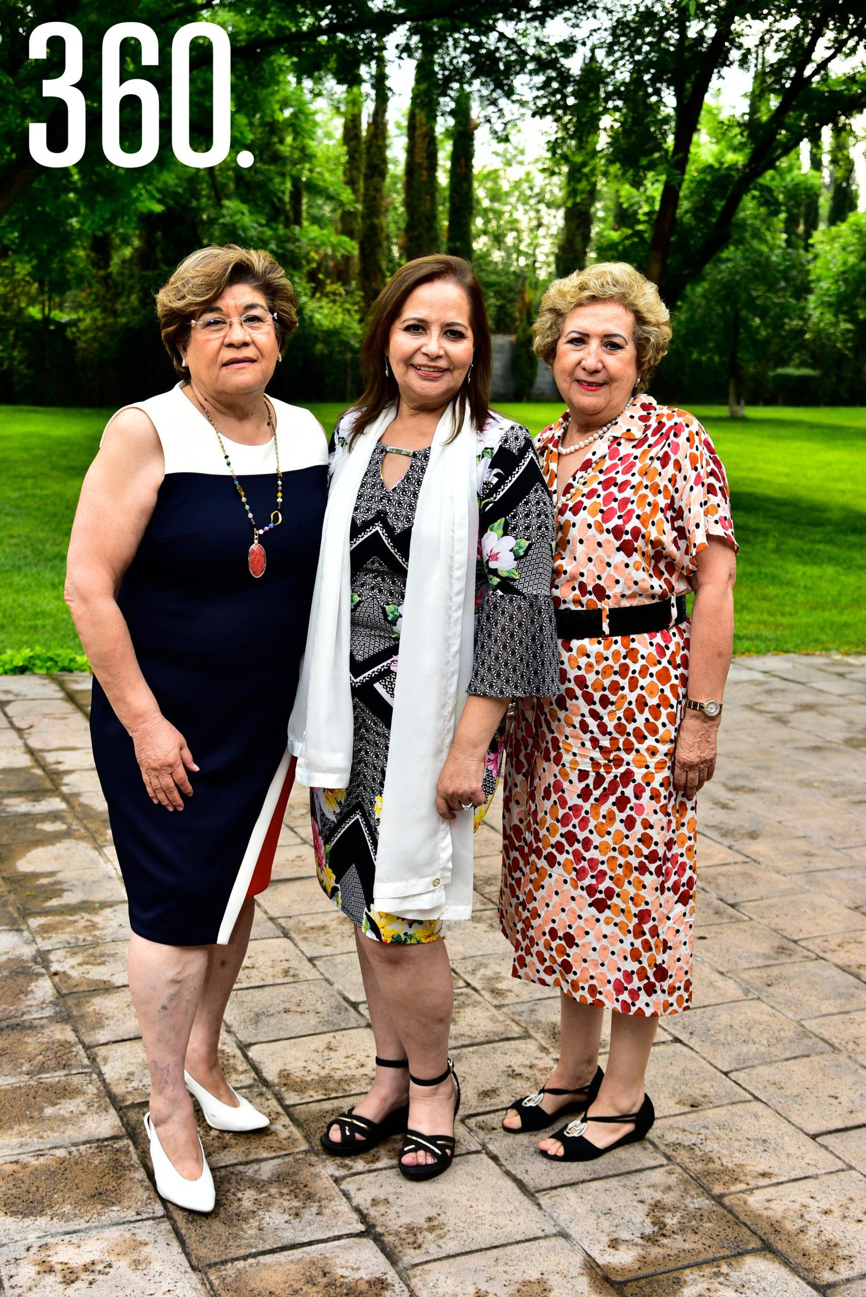 Vange Vidales de Tamez, Lili Melo de De las Fuentes y Mina Garza de López.